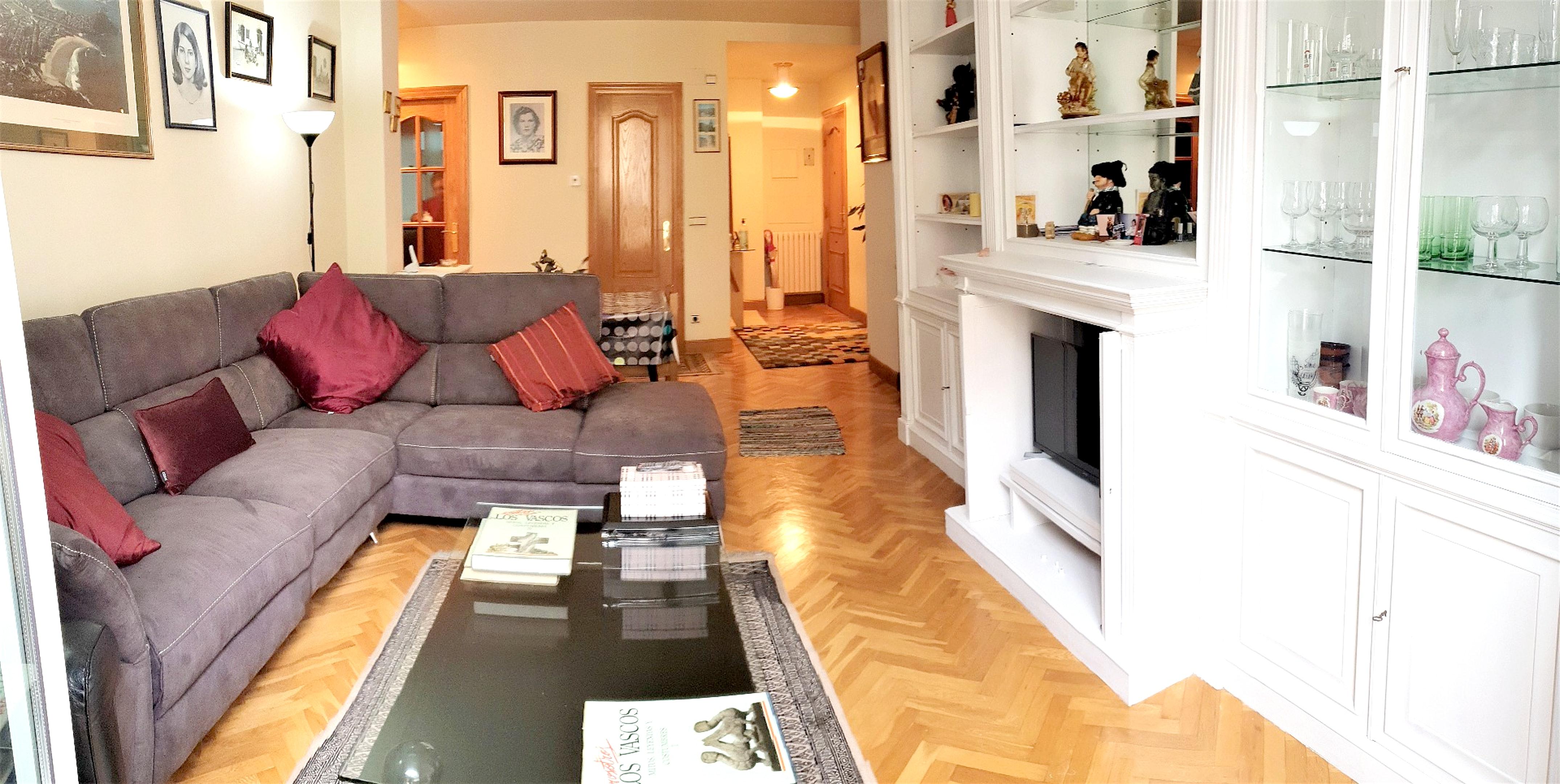 Wohnung mit 2 Schlafzimmern in Donostia mit Balkon