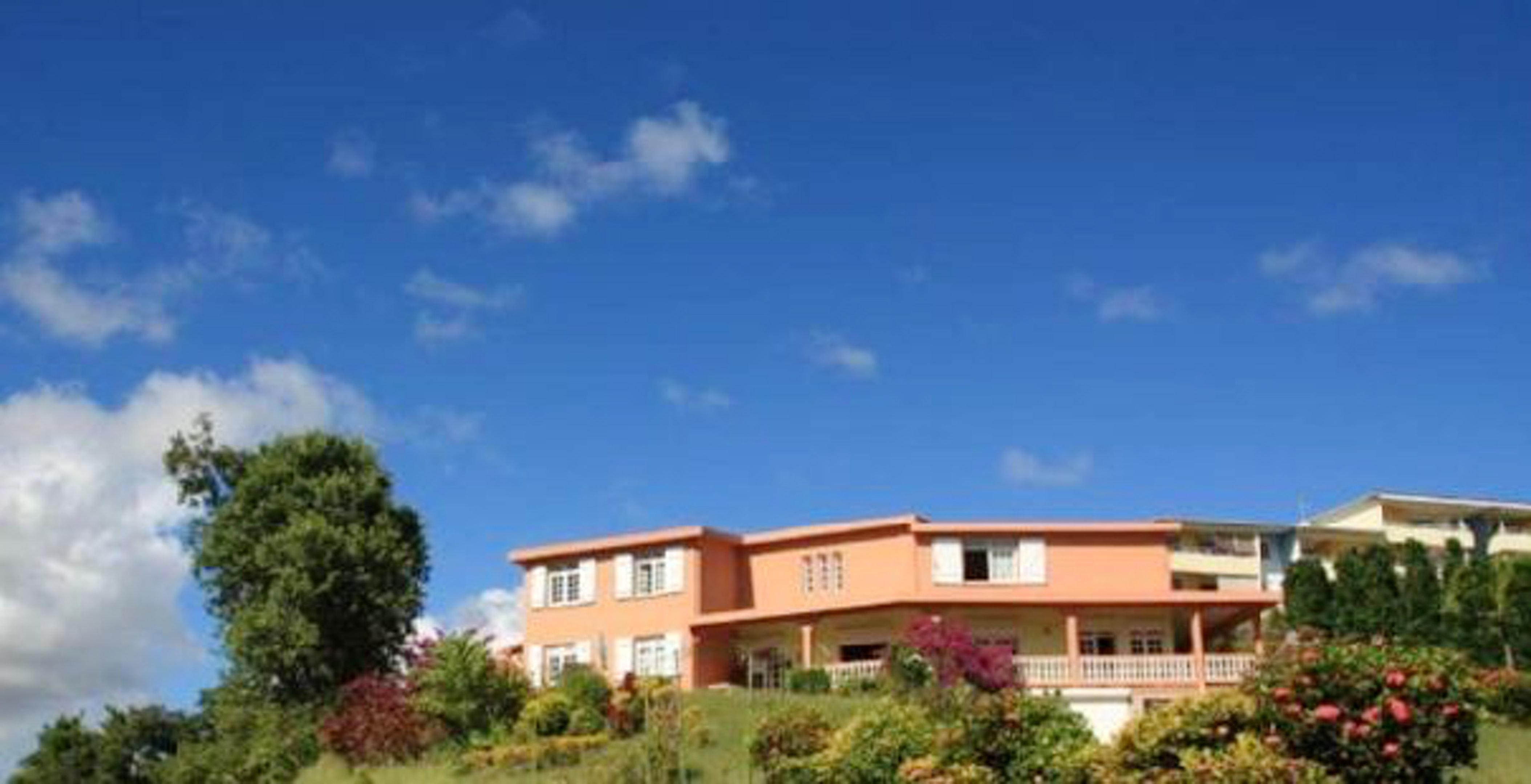 Casa de una habitación en La Trinité, con magnificas vistas al mar, jardín amueblado y WiFi - a 3 km de la playa