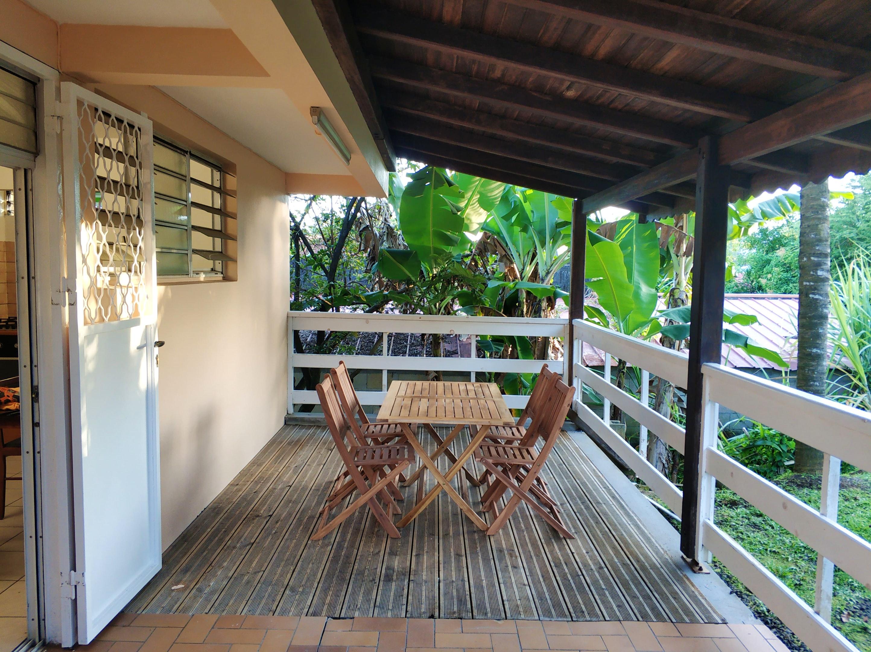 Apartamento de una habitación en Le Lamentin, con jardín cerrado y WiFi - a 25 km de la playa