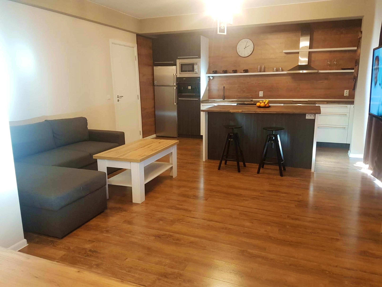 Wohnung mit einem Schlafzimmer in Karlovo mit schöner Aussicht auf die Stadt Terrasse und W LAN