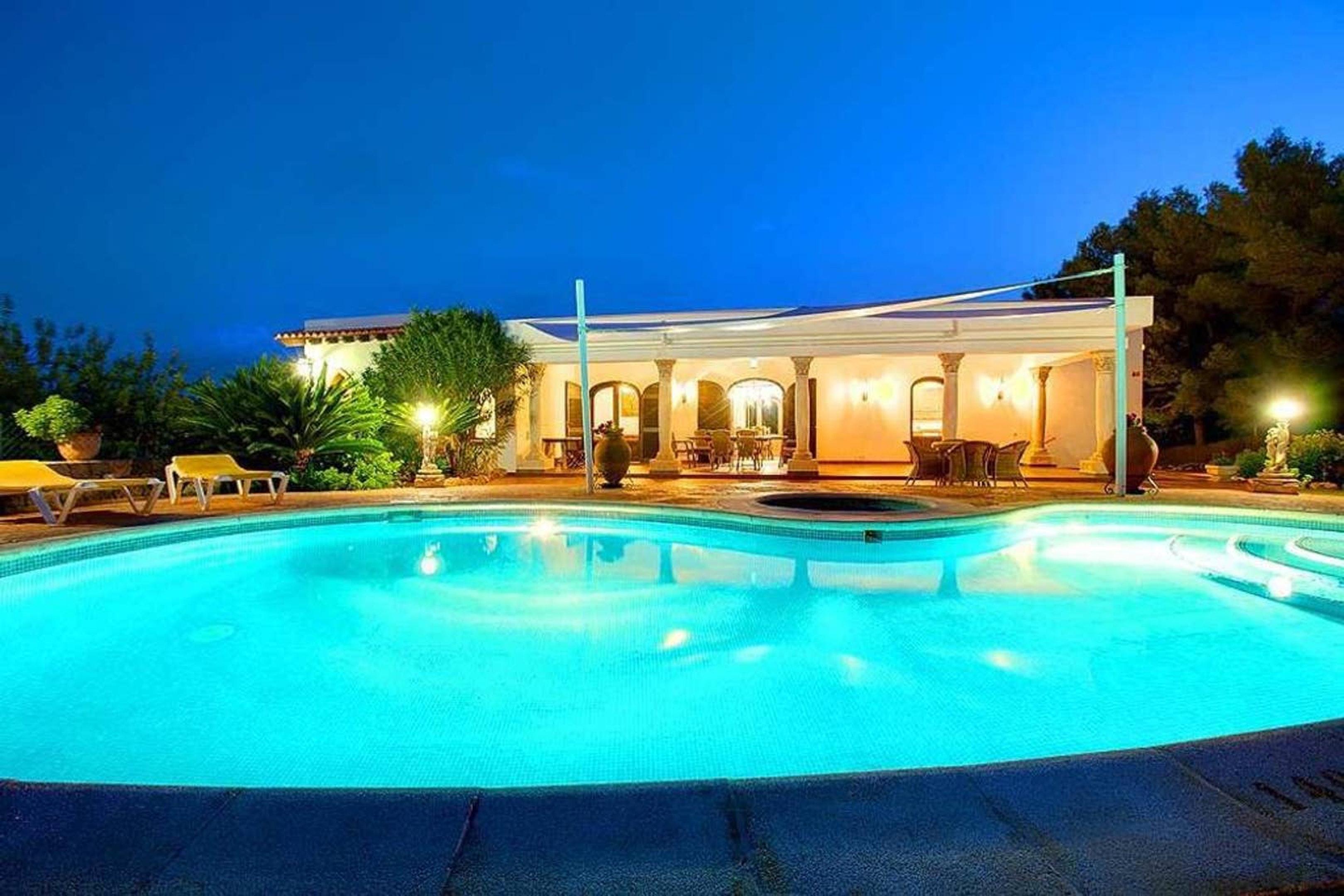 Villa mit 3 Schlafzimmern in Santa Eulària des Riu mit privatem Pool möblierter Terrasse und W LAN