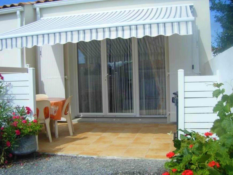 Haus mit einem Schlafzimmer in Notre Dame de Monts mit schöner Aussicht auf die Stadt möblierter Terrasse und W LAN 800 m vom Strand entfernt