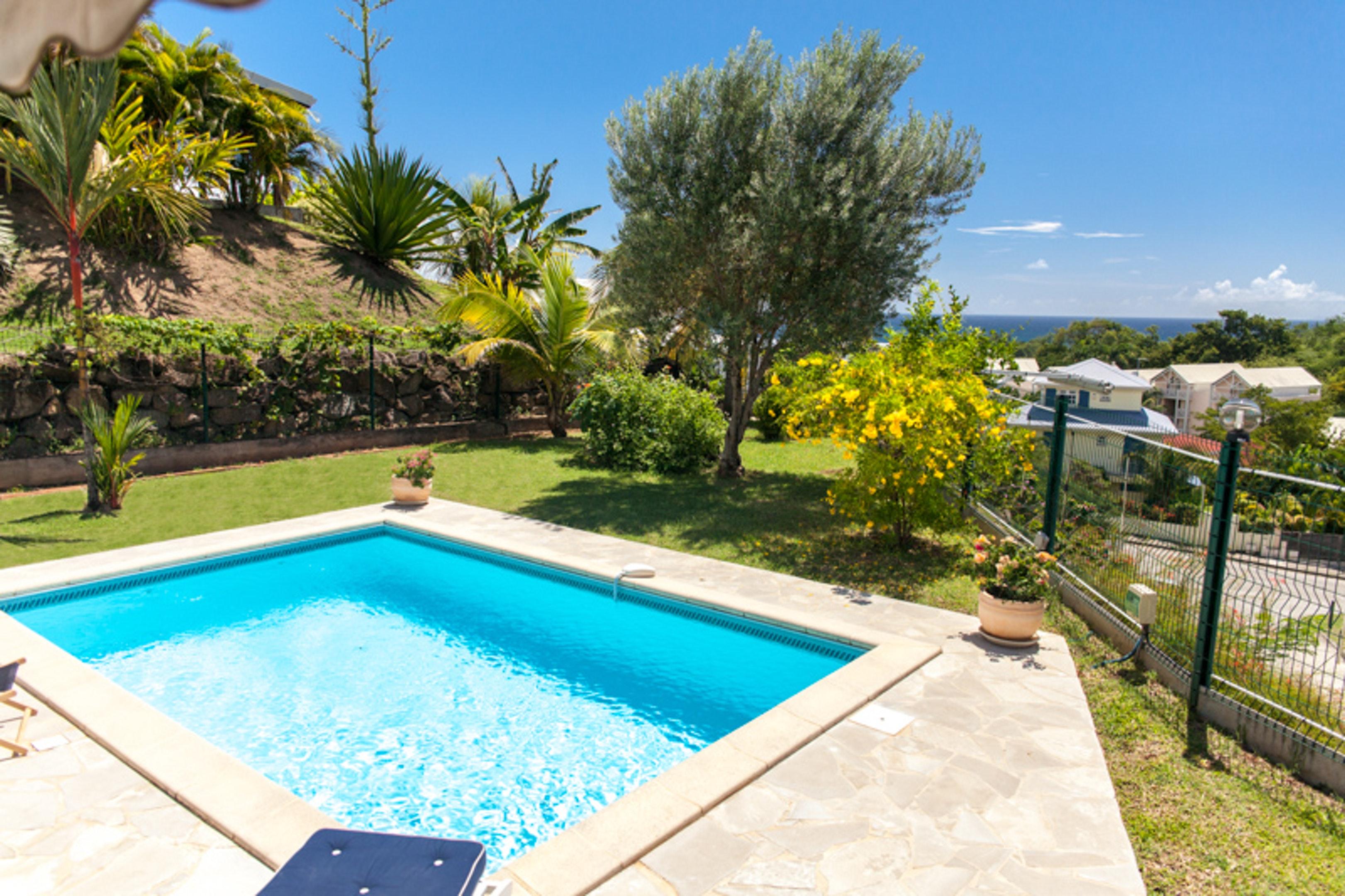 Villa de 3 habitaciones en Le Diamant, con magnificas vistas al mar, piscina privada, terraza amueblada