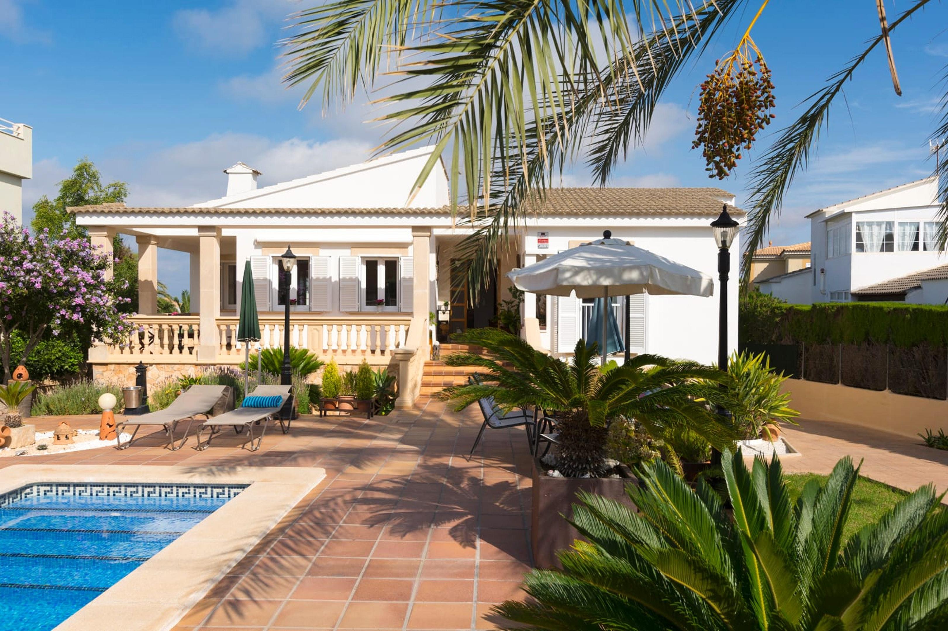 Villa mit 3 Schlafzimmern in Llucmajor mit privatem Pool möbliertem Garten und W LAN 600 m vom Strand entfernt