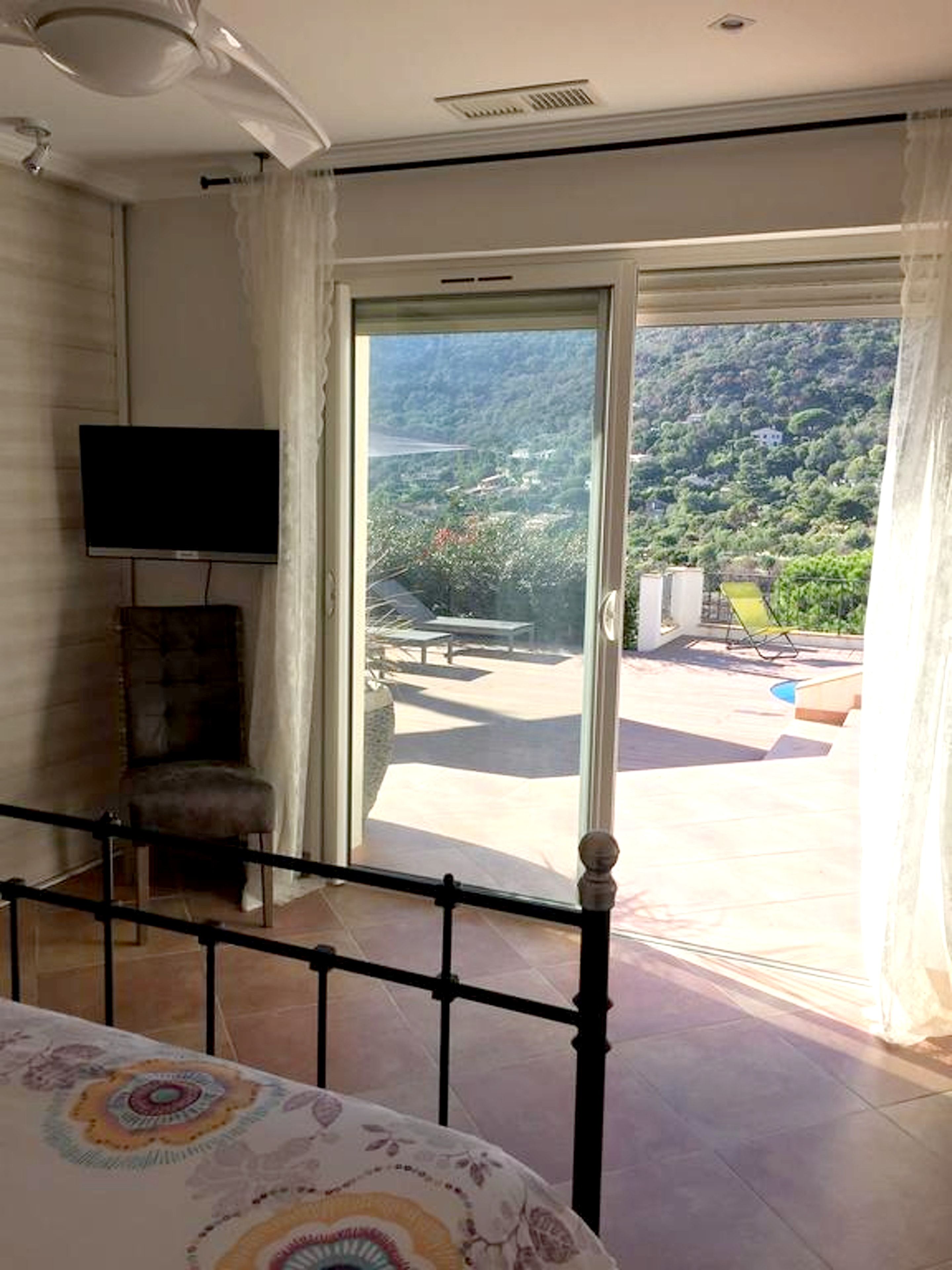 Maison de vacances Villa mit 5 Schlafzimmern in Rayol-Canadel-sur-Mer mit toller Aussicht auf die Berge, priv (2201555), Le Lavandou, Côte d'Azur, Provence - Alpes - Côte d'Azur, France, image 25