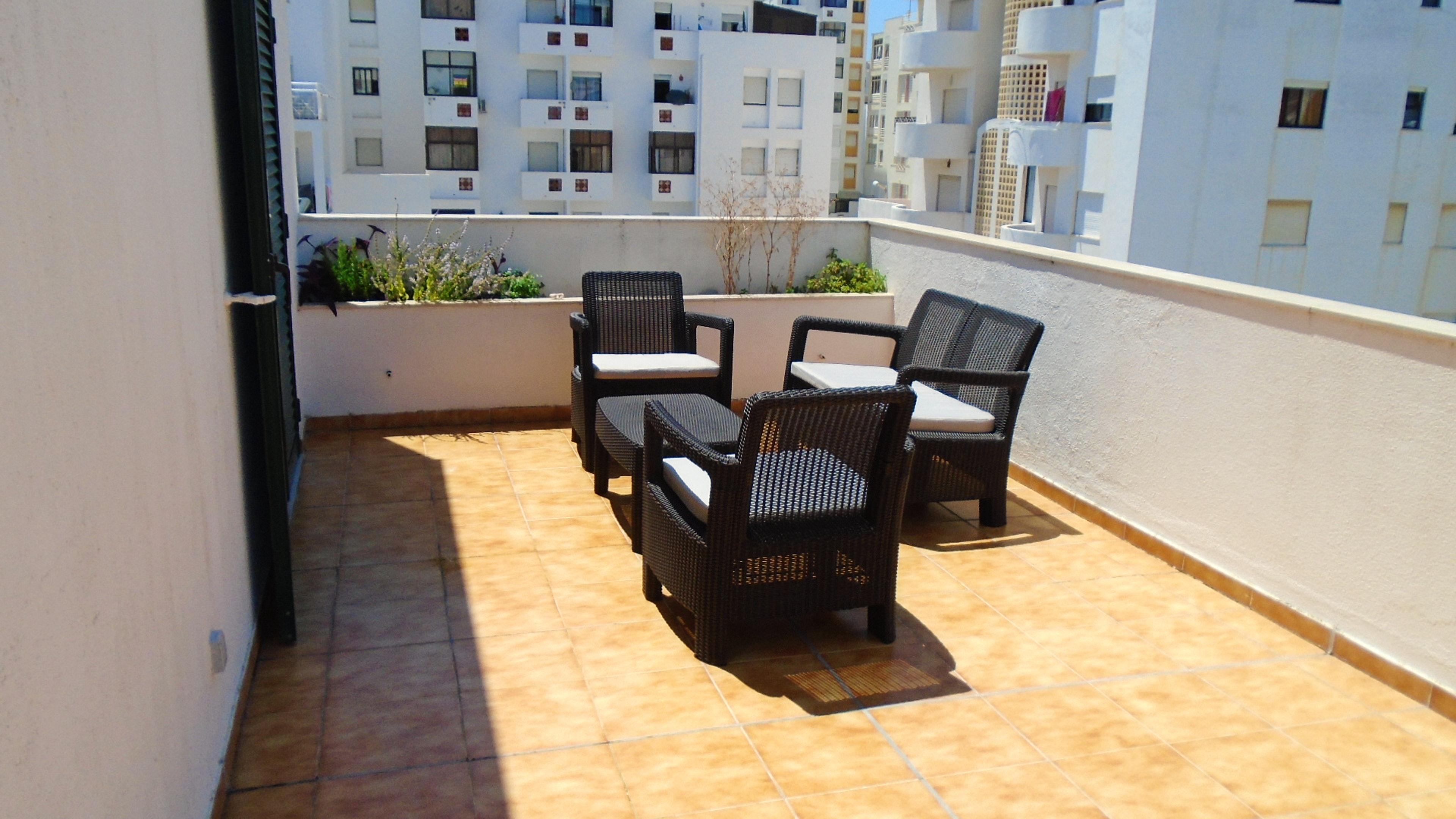 Wohnung mit 2 Schlafzimmern in Armação de Pêra mit herrlichem Meerblick, Pool, möbliertem Garten - 250 m vom Strand entfernt