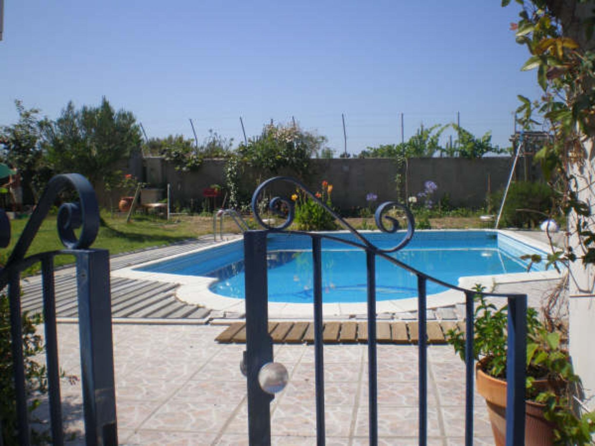Holiday apartment Studio in Nazaré mit Pool, möbliertem Garten und W-LAN - 7 km vom Strand entfernt (2410449), Nazaré, Costa de Prata, Central-Portugal, Portugal, picture 10