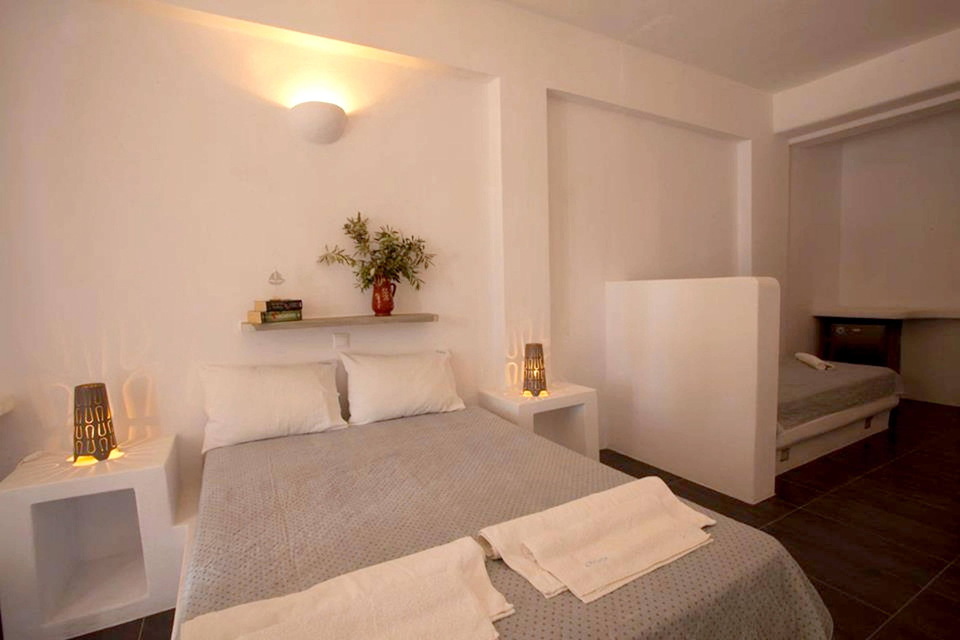 Holiday apartment Wohnung mit 2 Schlafzimmern in Paros mit herrlichem Meerblick, möbliertem Balkon und W-LAN (2201769), Paros, Paros, Cyclades, Greece, picture 4