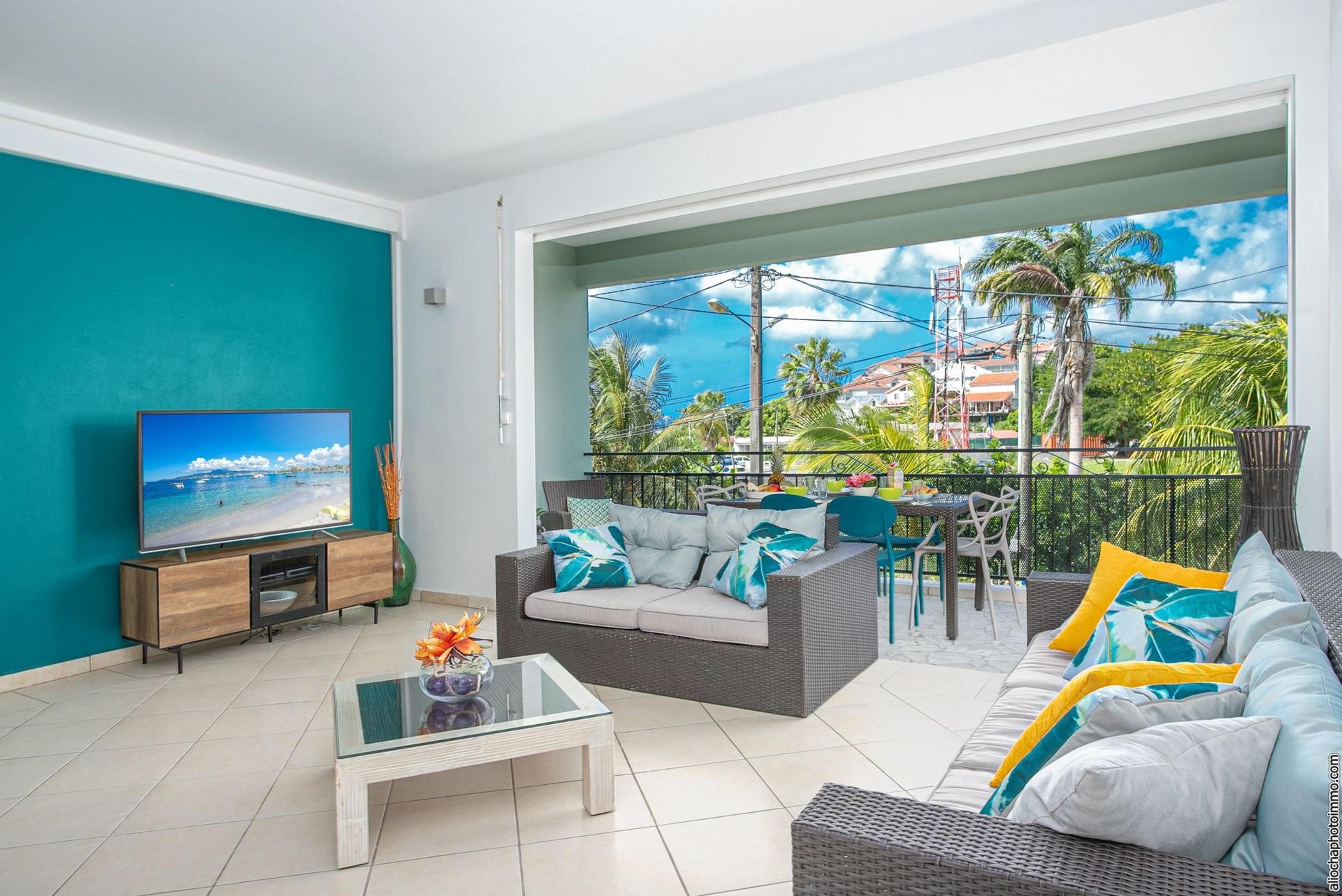 Wohnung mit 2 Schlafzimmern in Les Trois-Îlets mit schöner Aussicht auf die Stadt, eingezäuntem Garten und W-LAN - 50 m vom Strand entfernt