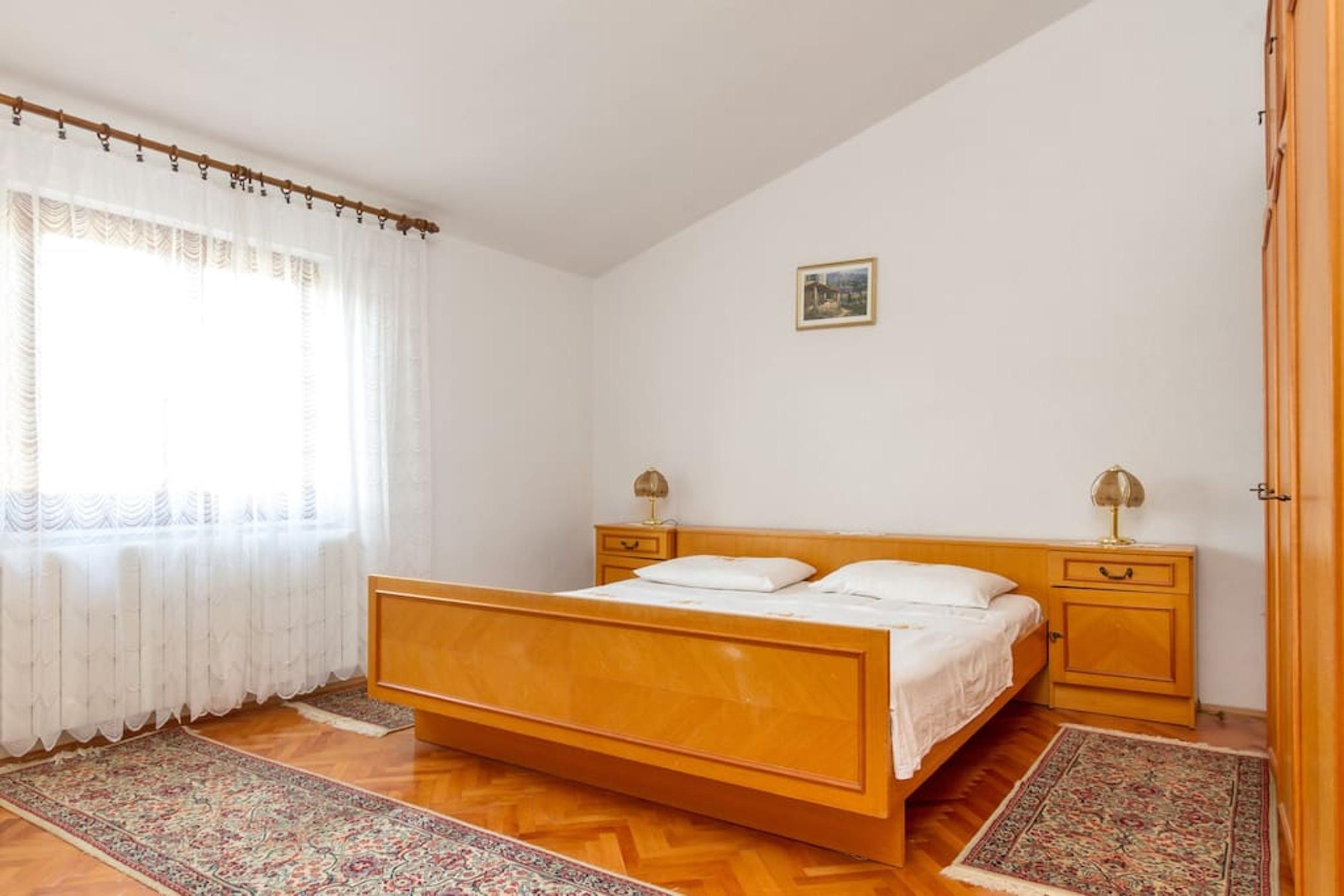 Ferienwohnung Wohnung mit 3 Zimmern in Seget Vranjica mit herrlichem Meerblick und eingezäuntem Garten - (2339638), Seget Donji, , Dalmatien, Kroatien, Bild 5