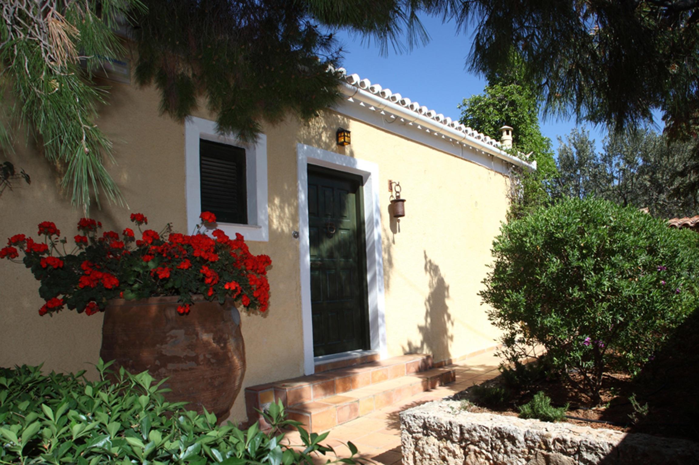 Ferienhaus Villa mit 4 Zimmern in Kosta mit herrlichem Meerblick, privatem Pool, eingezäuntem Garten  (2271451), Kosta (GR), , Peloponnes, Griechenland, Bild 4