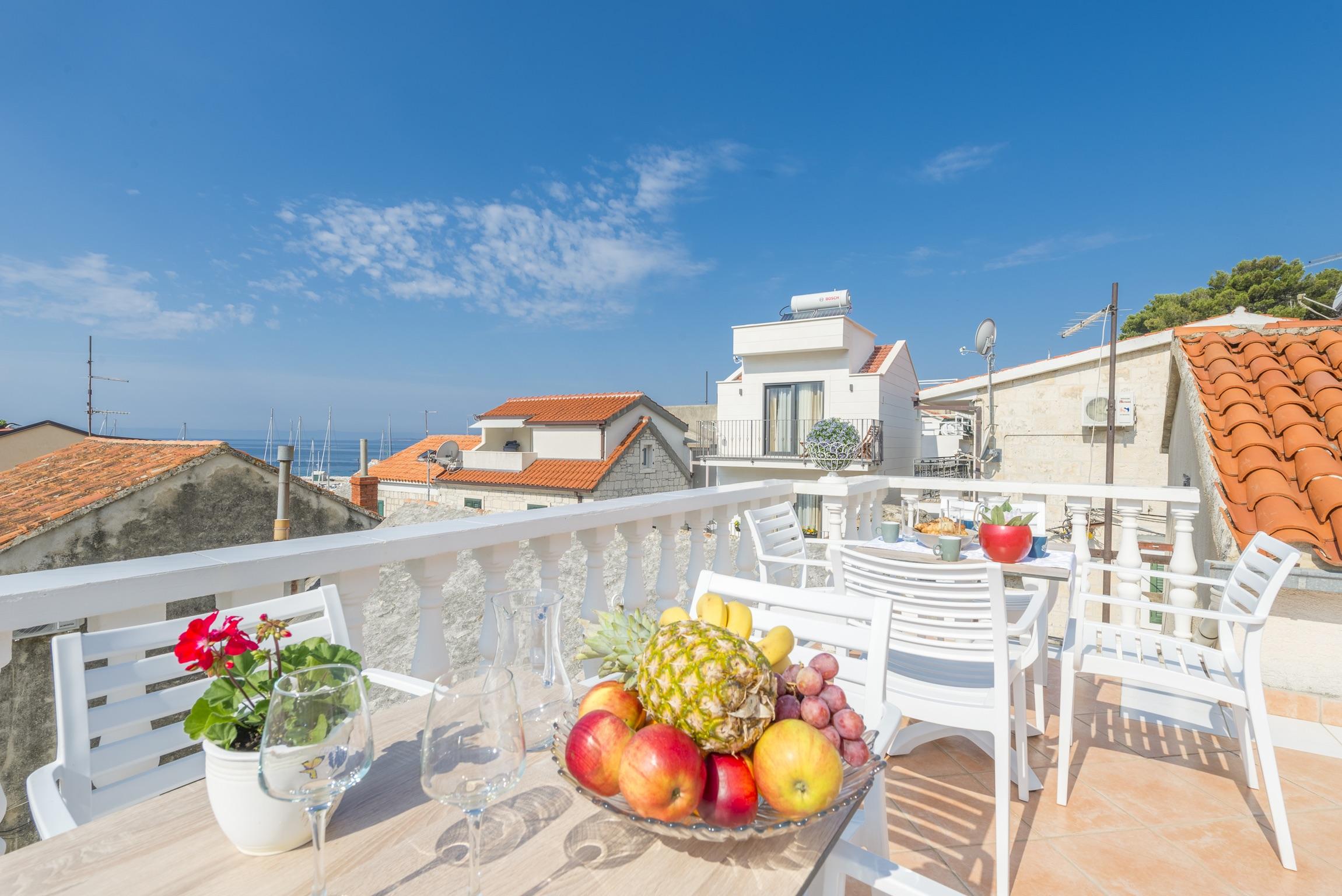 Ferienwohnung Wohnung mit 2 Zimmern in Baaka Voda mit herrlichem Meerblick, möblierter Terrasse und W-L (2201397), Baška Voda, , Dalmatien, Kroatien, Bild 4