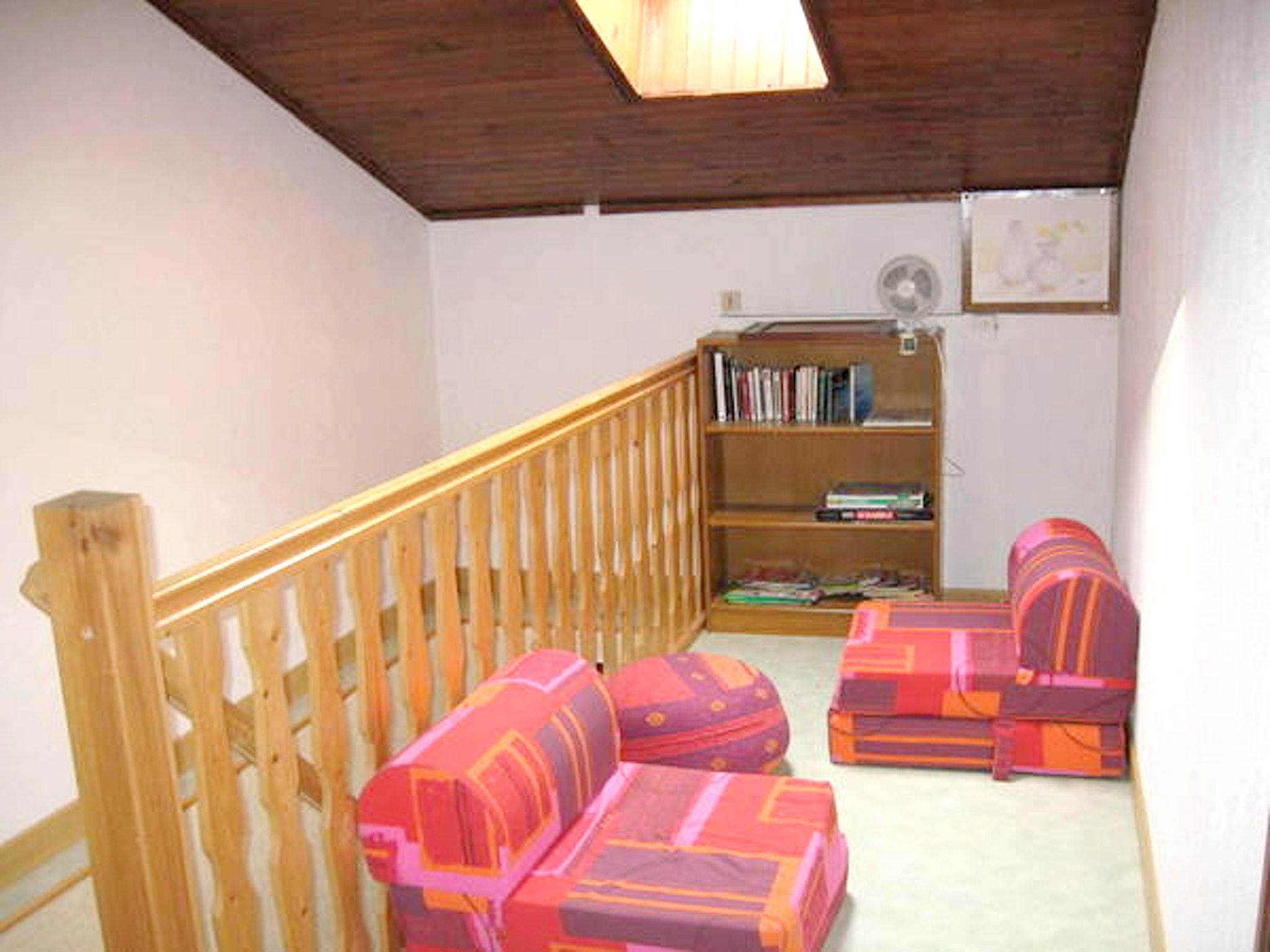 Maison de vacances Haus mit 2 Schlafzimmern in Saint-Laurent-la-Roche mit eingezäuntem Garten - 40 km vom Str (2208321), Montmorot, Jura, Franche-Comté, France, image 7