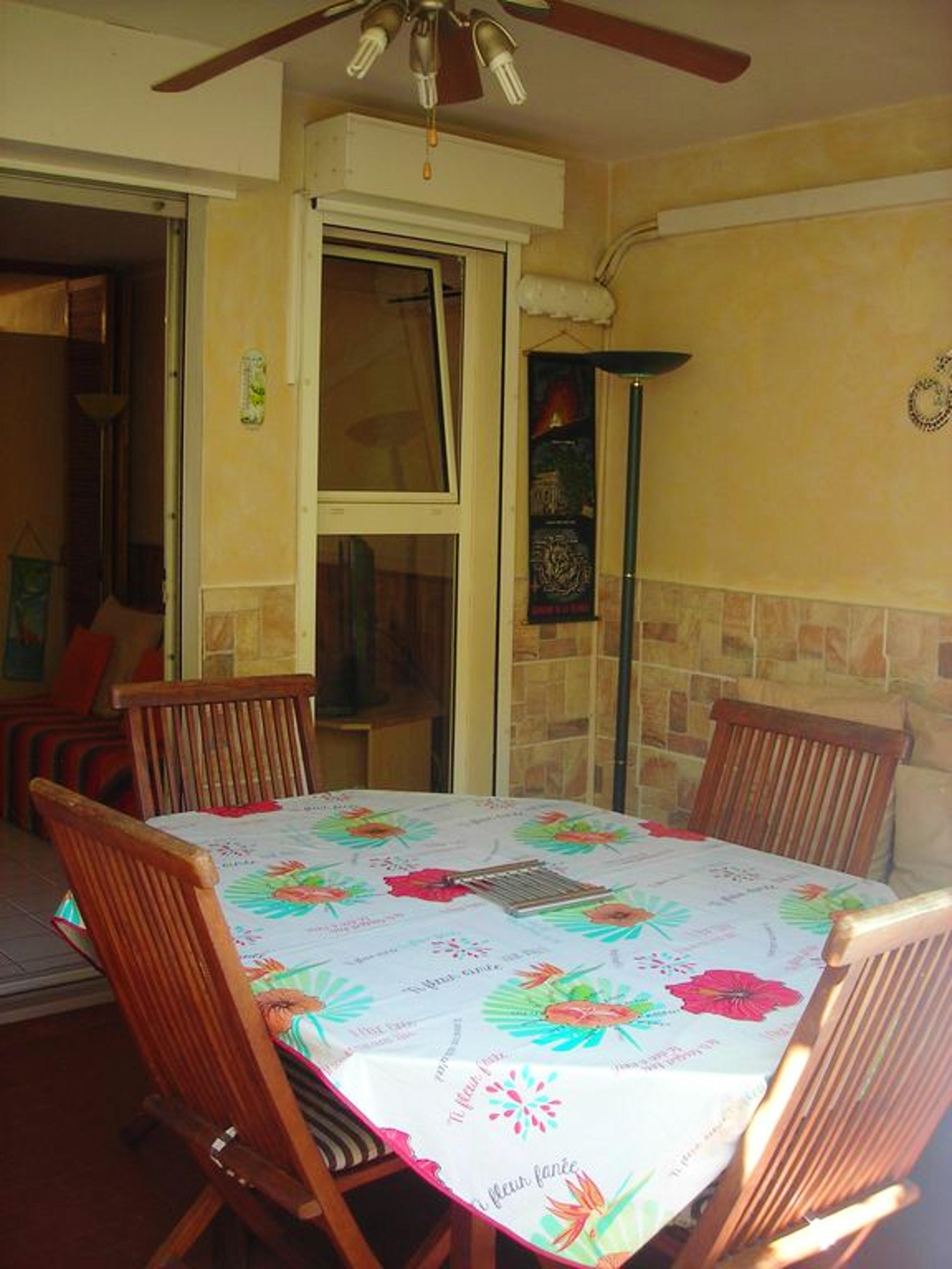 Wohnung mit einem Schlafzimmer in St Paul  mit ein Ferienwohnung in Afrika