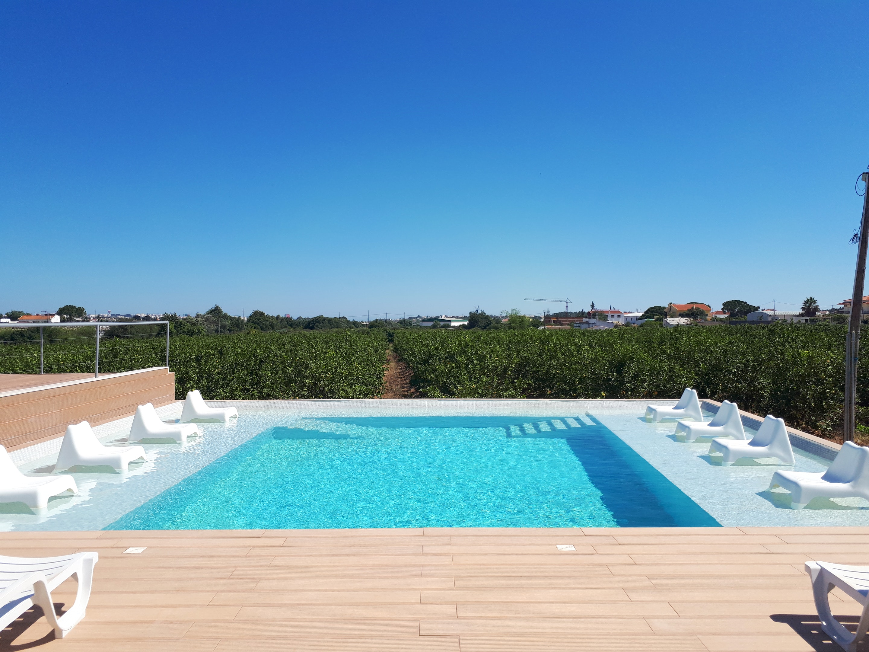 Haus mit 2 Schlafzimmern in Faro mit Pool, eingezäuntem Garten und W-LAN - 6 km vom Strand entfernt
