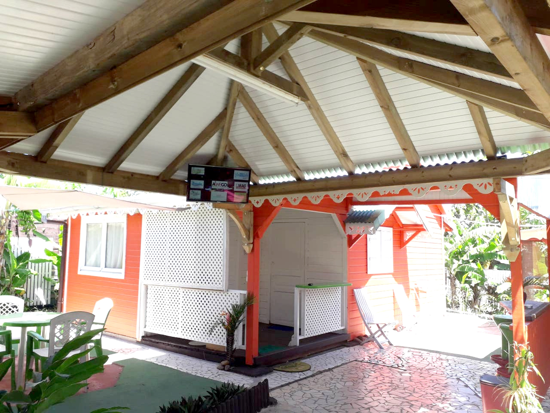 Bungalow mit 3 Schlafzimmern in Trois-Riviè Hütte in Guadeloupe