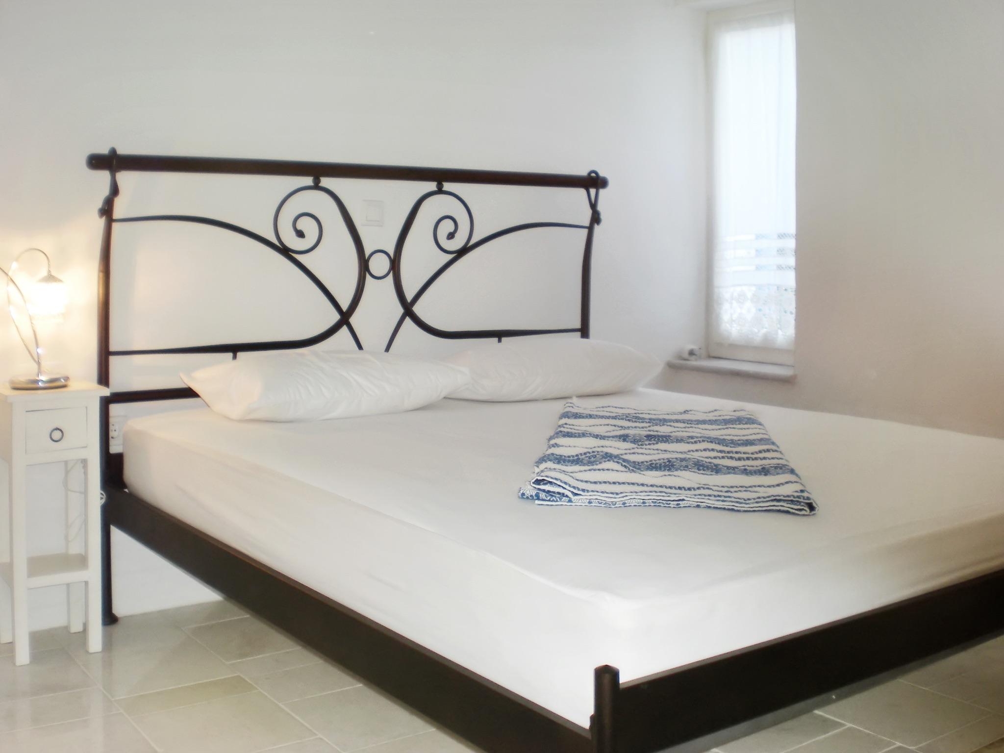 Ferienhaus Villa im Kykladen-Stil auf Paros (Griechenland), mit 2 Schlafzimmern, Gemeinschaftspool &  (2201782), Paros, Paros, Kykladen, Griechenland, Bild 12