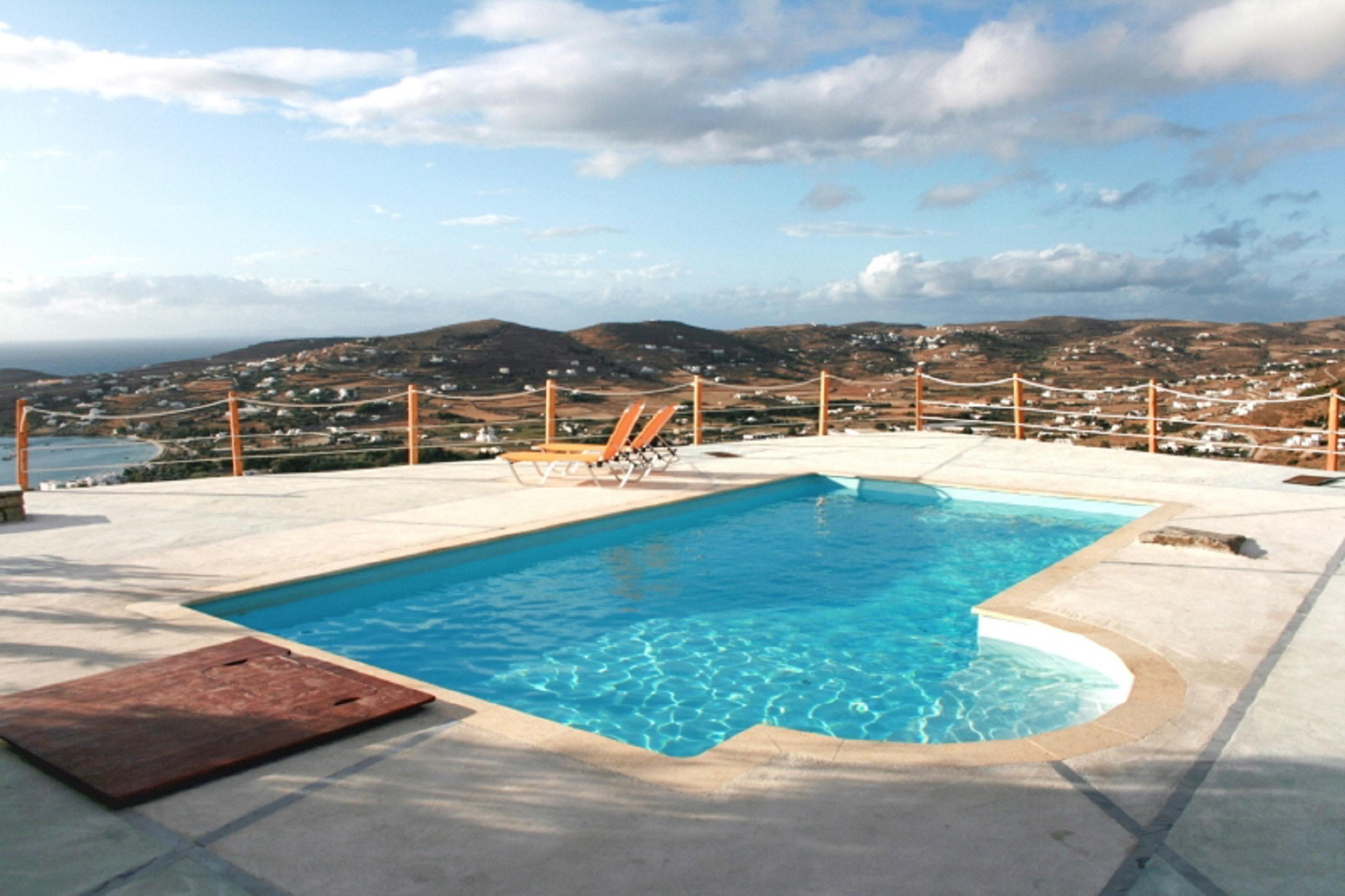 Holiday house Villa mit 3 Schlafzimmern in Paros mit herrlichem Meerblick, Pool und W-LAN - 1 km vom Str (2201537), Paros, Paros, Cyclades, Greece, picture 1