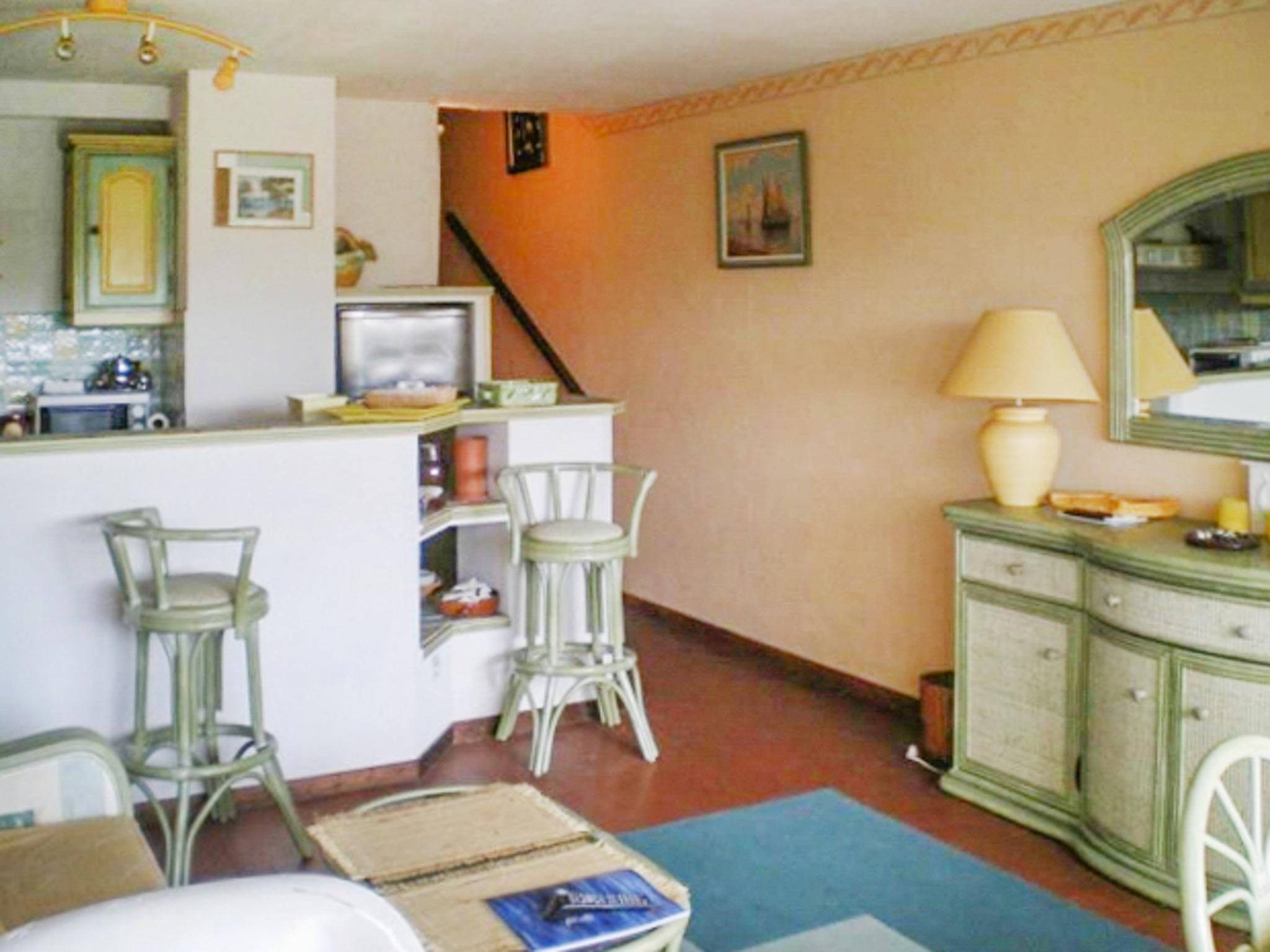 Holiday apartment Helle Zweizimmerwohnung mit Meerblick und Balkon - 50 m vom Strand in Le Lavandou entfernt (2201212), Le Lavandou, Côte d'Azur, Provence - Alps - Côte d'Azur, France, picture 6