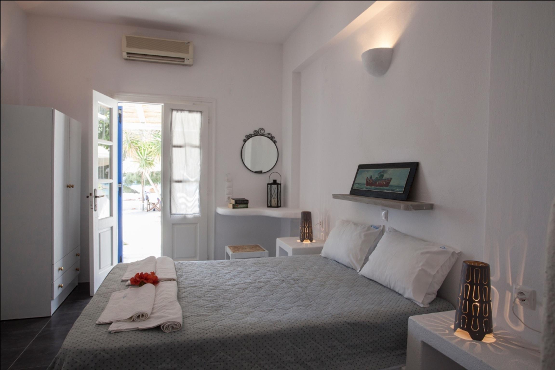 Holiday apartment Studio in Aliki mit herrlichem Meerblick, möblierter Terrasse und W-LAN (2201967), Aliki, Paros, Cyclades, Greece, picture 5
