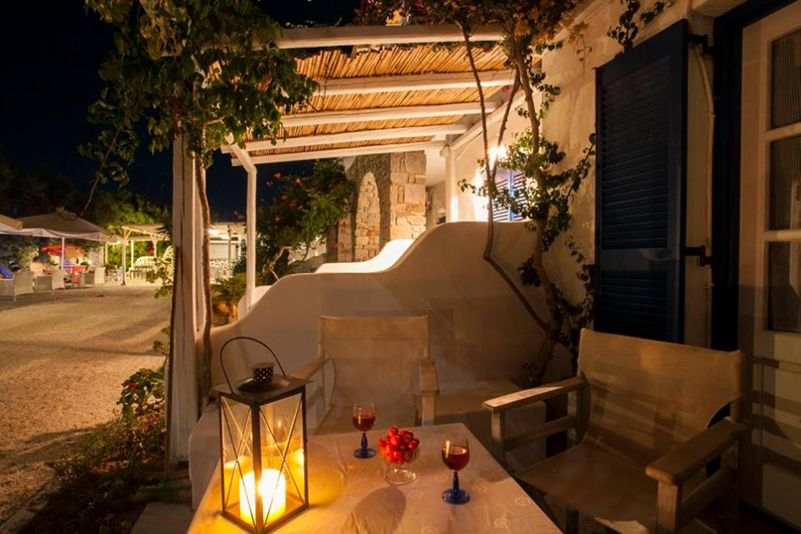 Holiday apartment Wohnung mit 2 Schlafzimmern in Paros mit herrlichem Meerblick, möbliertem Balkon und W-LAN (2201769), Paros, Paros, Cyclades, Greece, picture 2