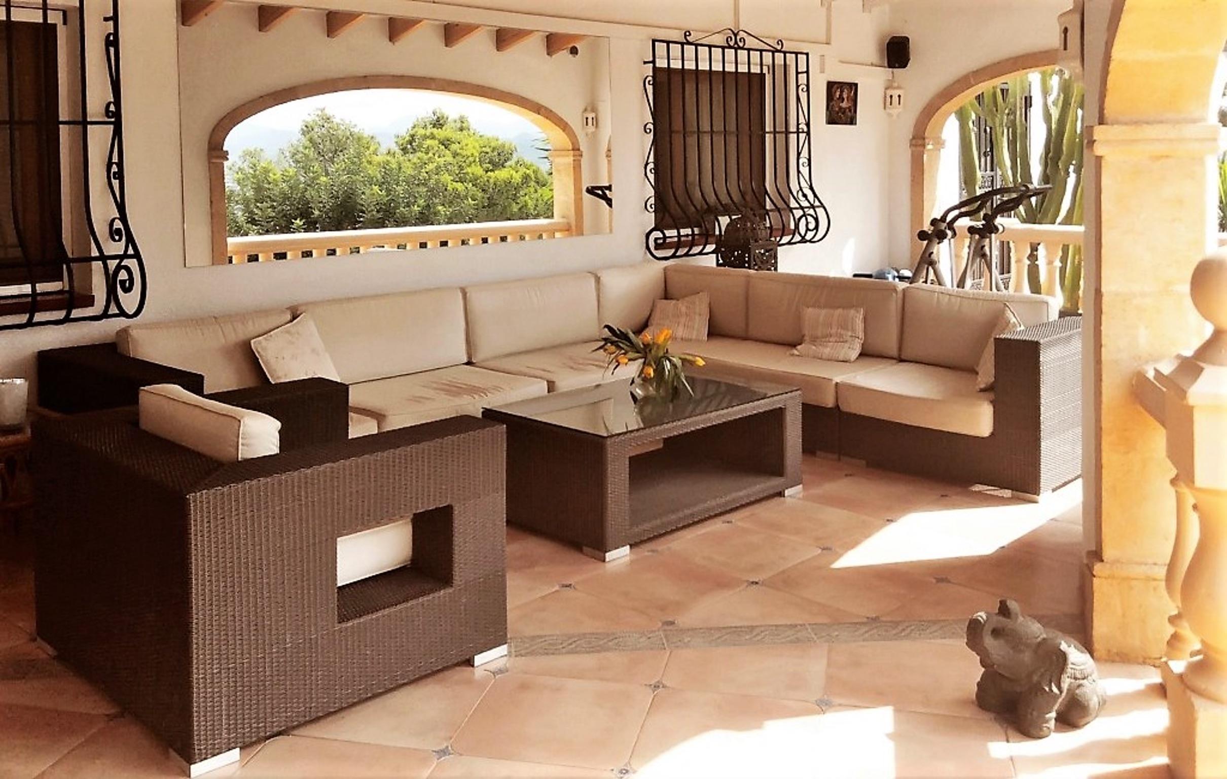 Ferienhaus Geräumige Villa mit fünf Schlafzimmer in Javea mit möblierter Terrasse, Pool und toller Au (2201168), Jávea, Costa Blanca, Valencia, Spanien, Bild 2