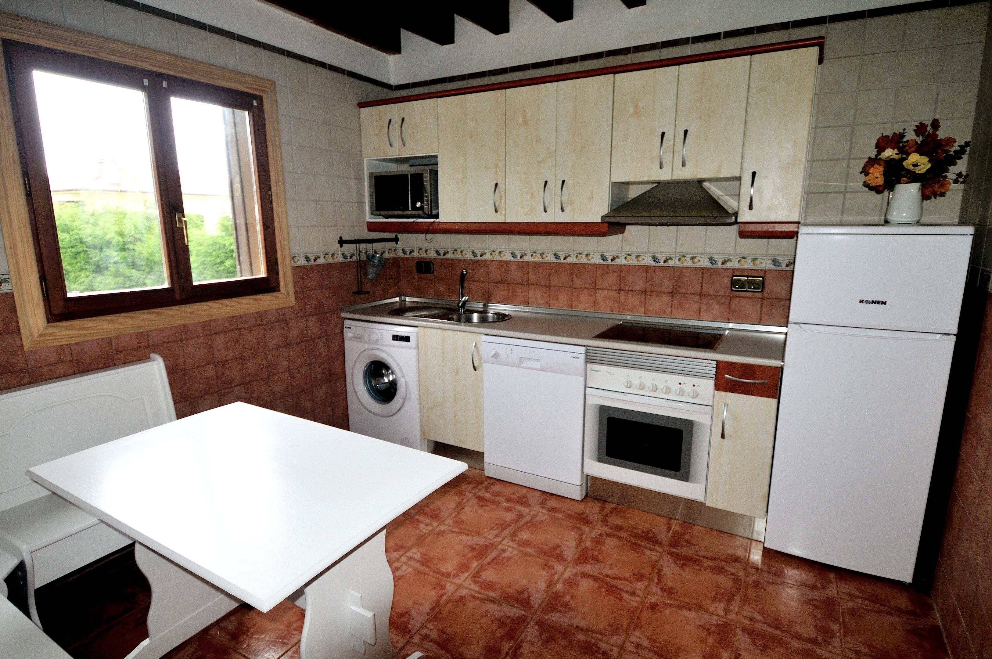 Ferienhaus Haus mit 3 Schlafzimmern in Albuerne mit eingezäuntem Garten - 6 km vom Strand entfernt (2208400), Albuerne, Costa Verde (ES), Asturien, Spanien, Bild 4