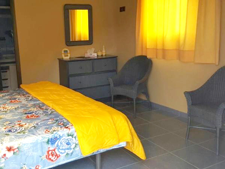 Bungalow mit einem Schlafzimmer in Valhondo mit he Hütte