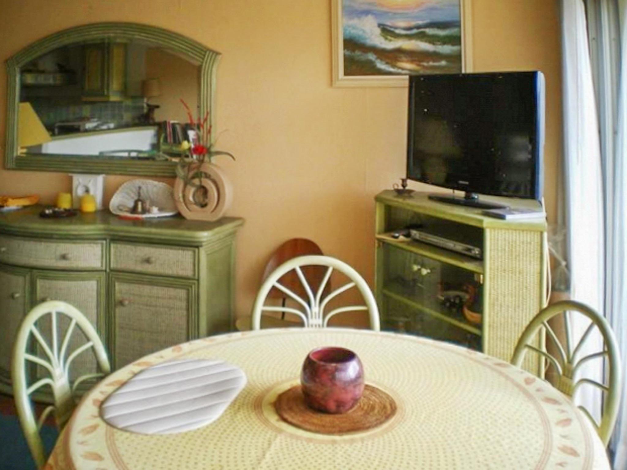 Holiday apartment Helle Zweizimmerwohnung mit Meerblick und Balkon - 50 m vom Strand in Le Lavandou entfernt (2201212), Le Lavandou, Côte d'Azur, Provence - Alps - Côte d'Azur, France, picture 4