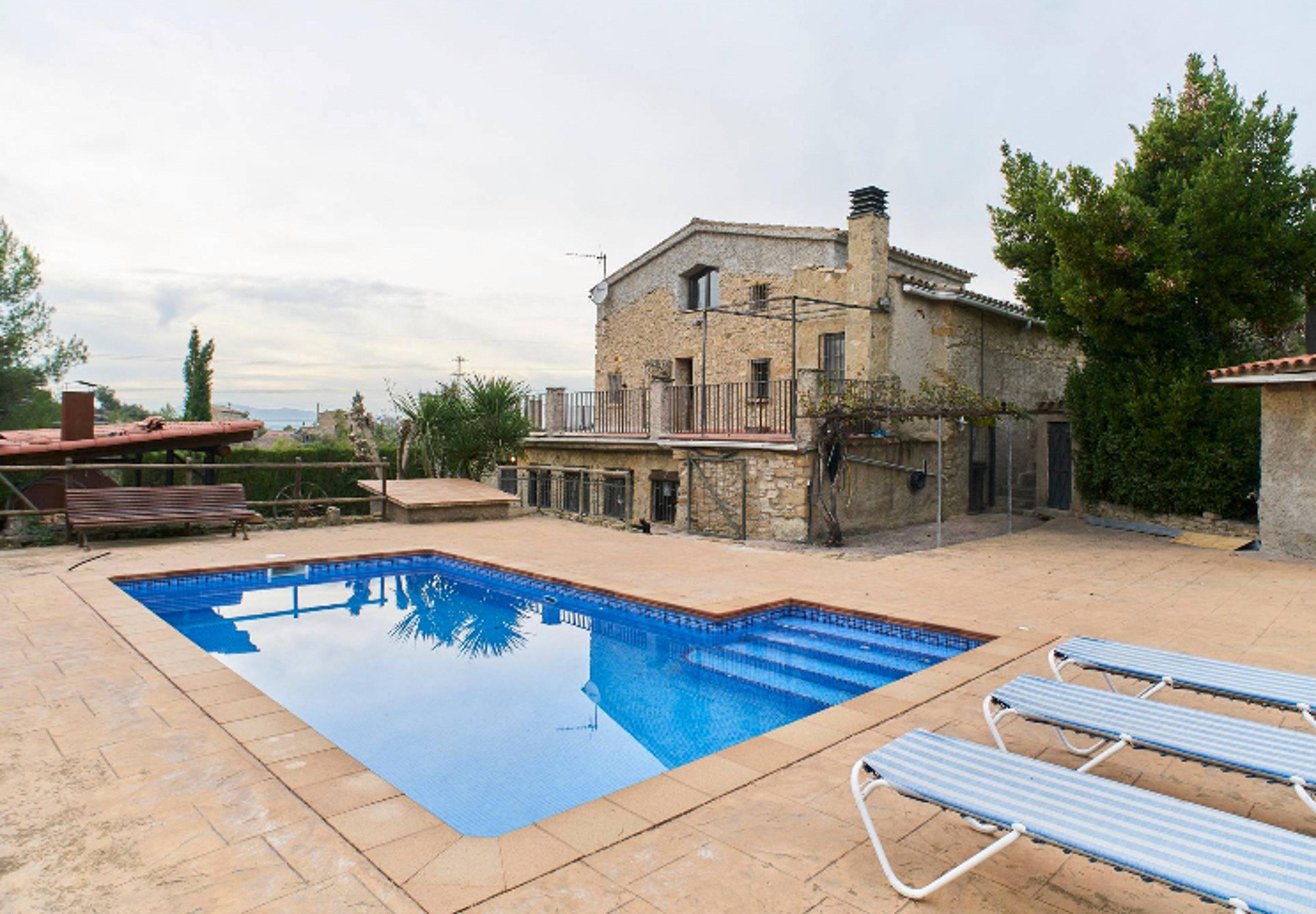 Villa mit 2 Schlafzimmern in Castellbell i el Vilar mit toller Aussicht auf die Berge privatem Pool eingezäuntem Garten 45 km vom Strand entfernt