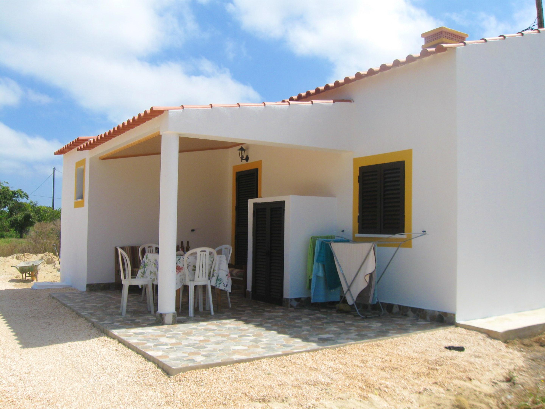 Haus mit 4 Schlafzimmern in Aljezur mit möblierter Terrasse und W-LAN - 4 km vom Strand entfernt