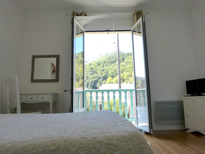 Ferienhaus Haus mit 2 Schlafzimmern in Lourdes mit toller Aussicht auf die Berge, möblierter Terrasse (2396219), Lourdes, Hautes-Pyrénées, Midi-Pyrénées, Frankreich, Bild 3