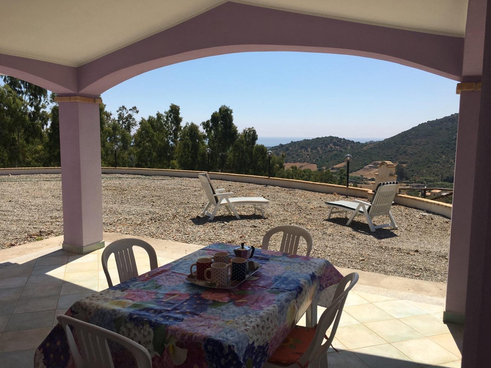 Haus mit 2 Schlafzimmern in Cardedu mit herrlichem Meerblick eingezäuntem Garten und W LAN 1 km vom Strand entfernt