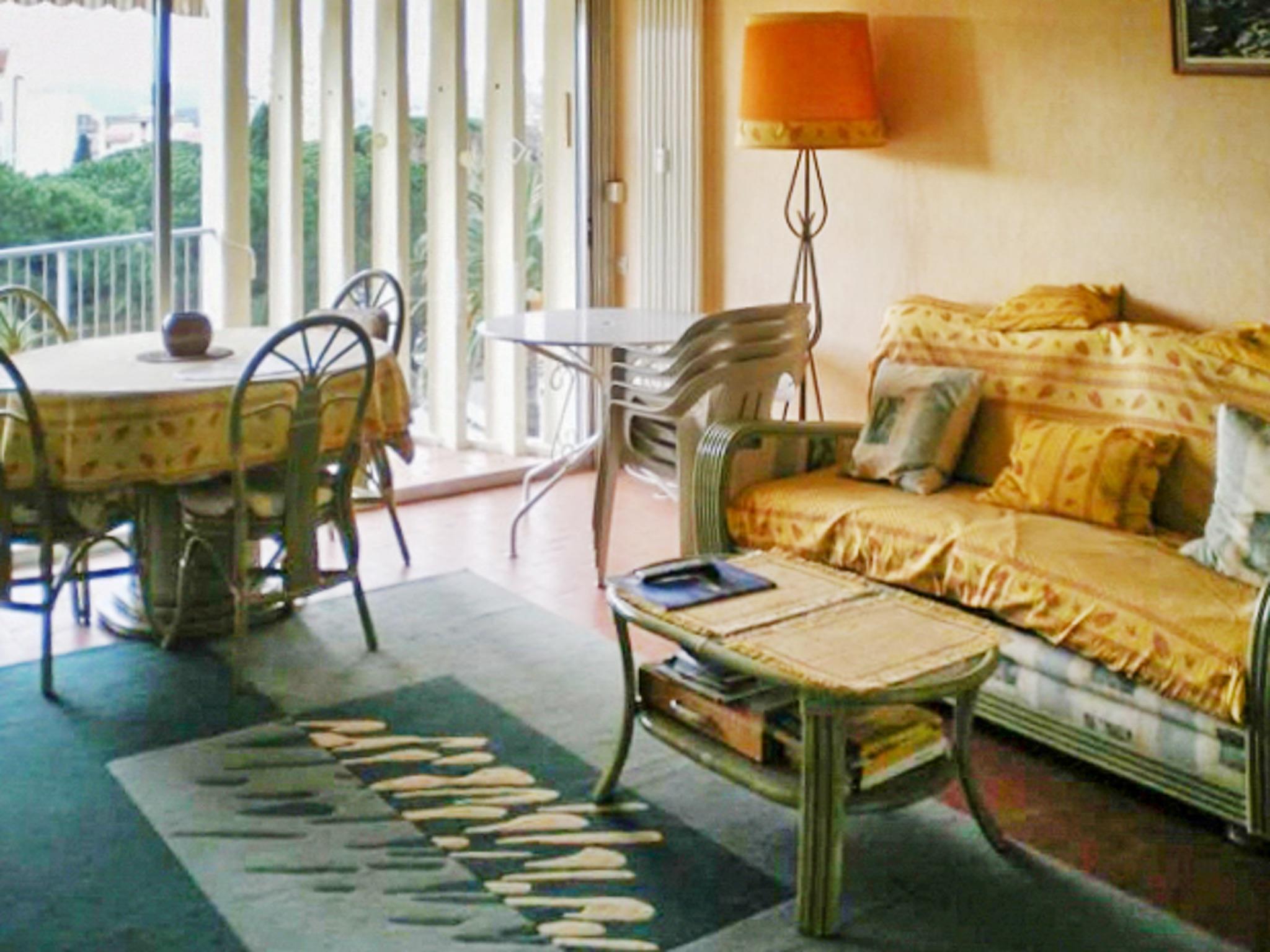 Holiday apartment Helle Zweizimmerwohnung mit Meerblick und Balkon - 50 m vom Strand in Le Lavandou entfernt (2201212), Le Lavandou, Côte d'Azur, Provence - Alps - Côte d'Azur, France, picture 3