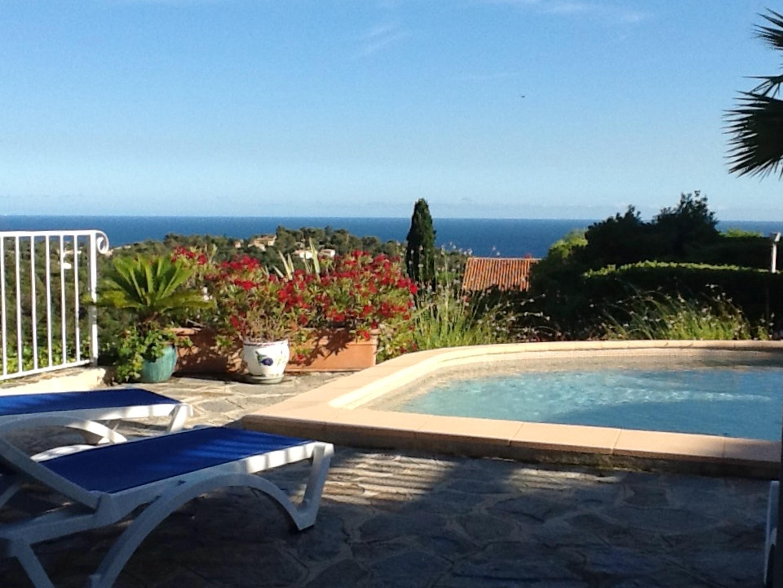 Ferienhaus Villa mit 4 Schlafzimmern in La Croix-Valmer mit herrlichem Meerblick, privatem Pool, eing (2202594), La Croix Valmer, Côte d'Azur, Provence - Alpen - Côte d'Azur, Frankreich, Bild 5