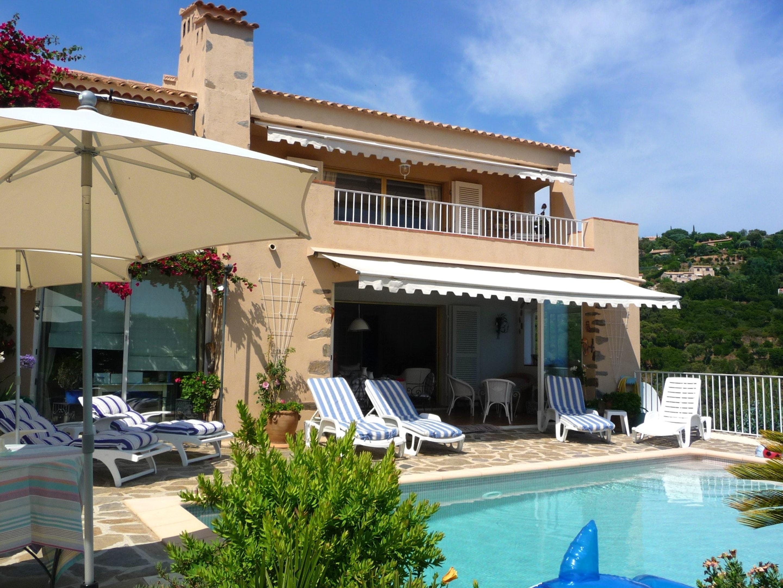 Ferienhaus Villa mit 4 Schlafzimmern in La Croix-Valmer mit herrlichem Meerblick, privatem Pool, eing (2202594), La Croix Valmer, Côte d'Azur, Provence - Alpen - Côte d'Azur, Frankreich, Bild 1