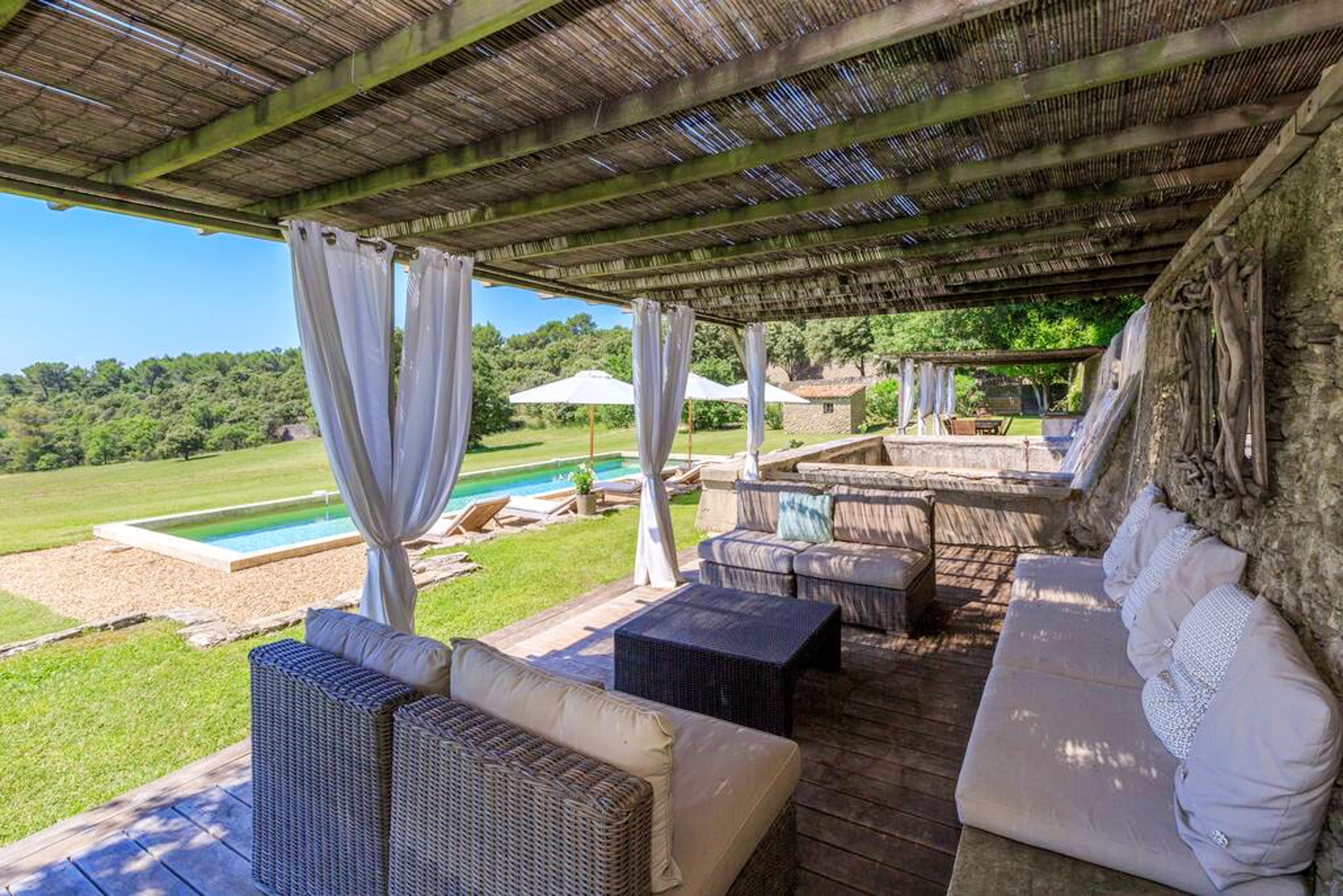 Maison de vacances Villa mit 6 Schlafzimmern in L'Isle-sur-la-Sorgue mit privatem Pool, möbliertem Garten und (2647203), L'Isle sur la Sorgue, Vaucluse, Provence - Alpes - Côte d'Azur, France, image 2