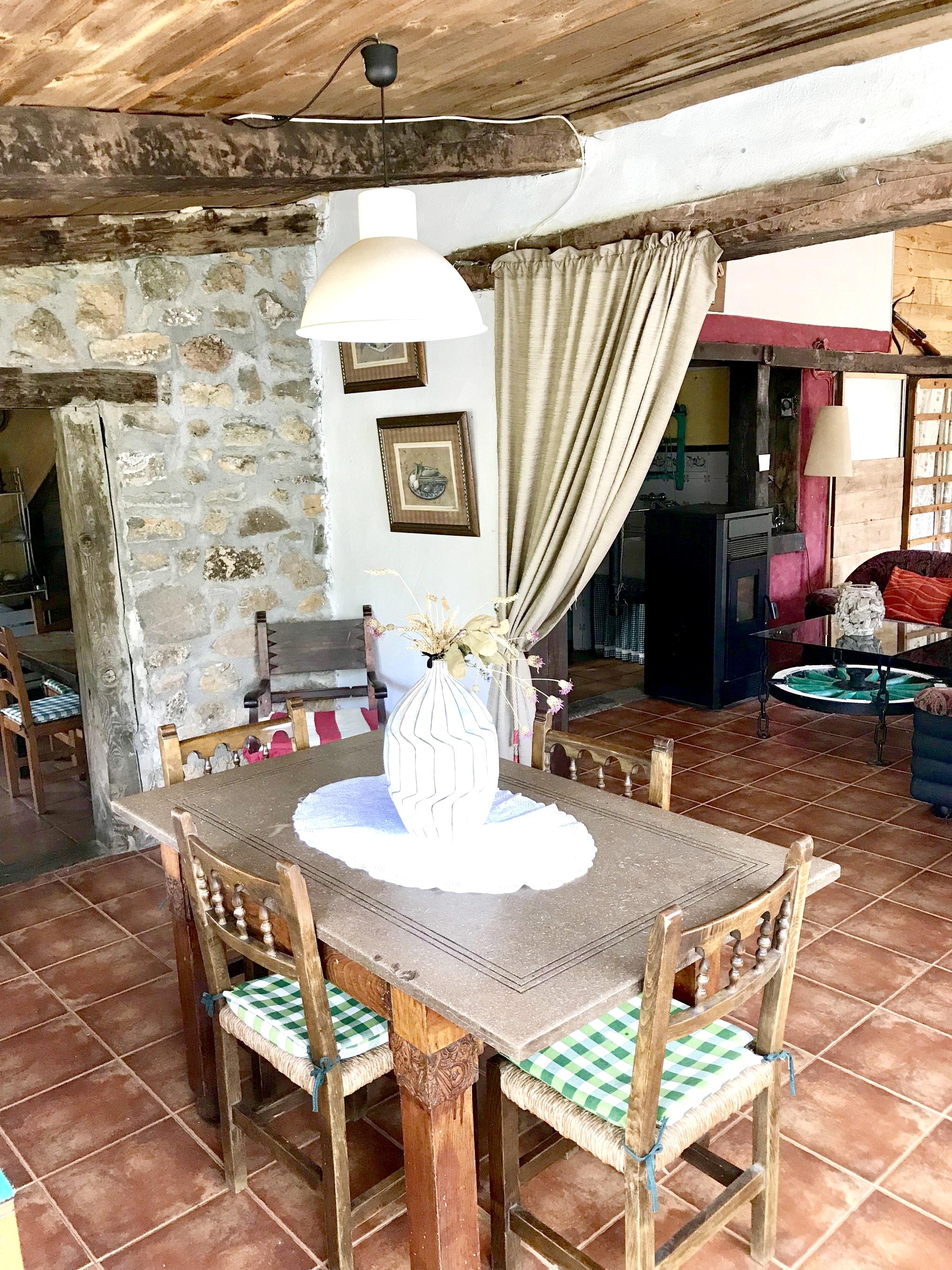 Maison de vacances Hütte mit 4 Schlafzimmern in Camarena de la Sierra mit toller Aussicht auf die Berge, priv (2474258), Camarena de la Sierra, Teruel, Aragon, Espagne, image 7