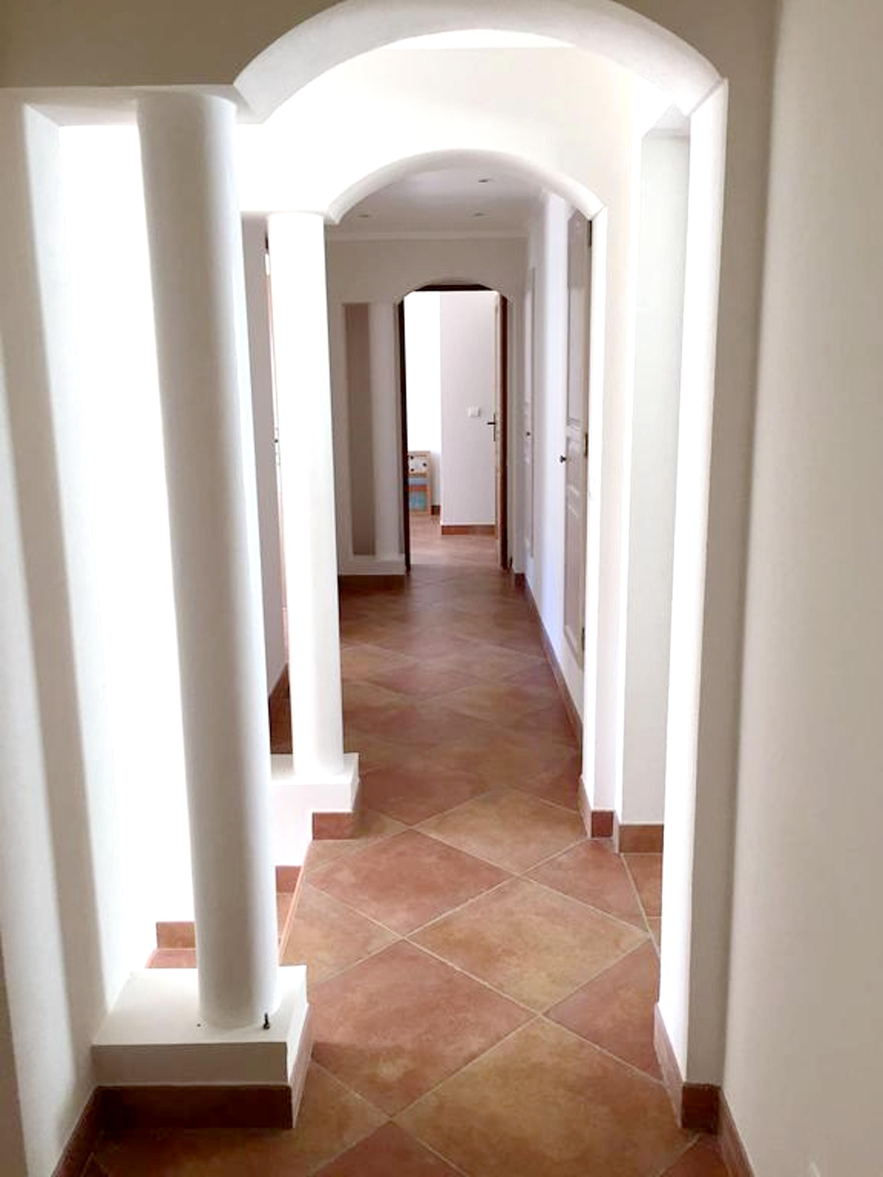 Maison de vacances Villa mit 5 Schlafzimmern in Rayol-Canadel-sur-Mer mit toller Aussicht auf die Berge, priv (2201555), Le Lavandou, Côte d'Azur, Provence - Alpes - Côte d'Azur, France, image 41