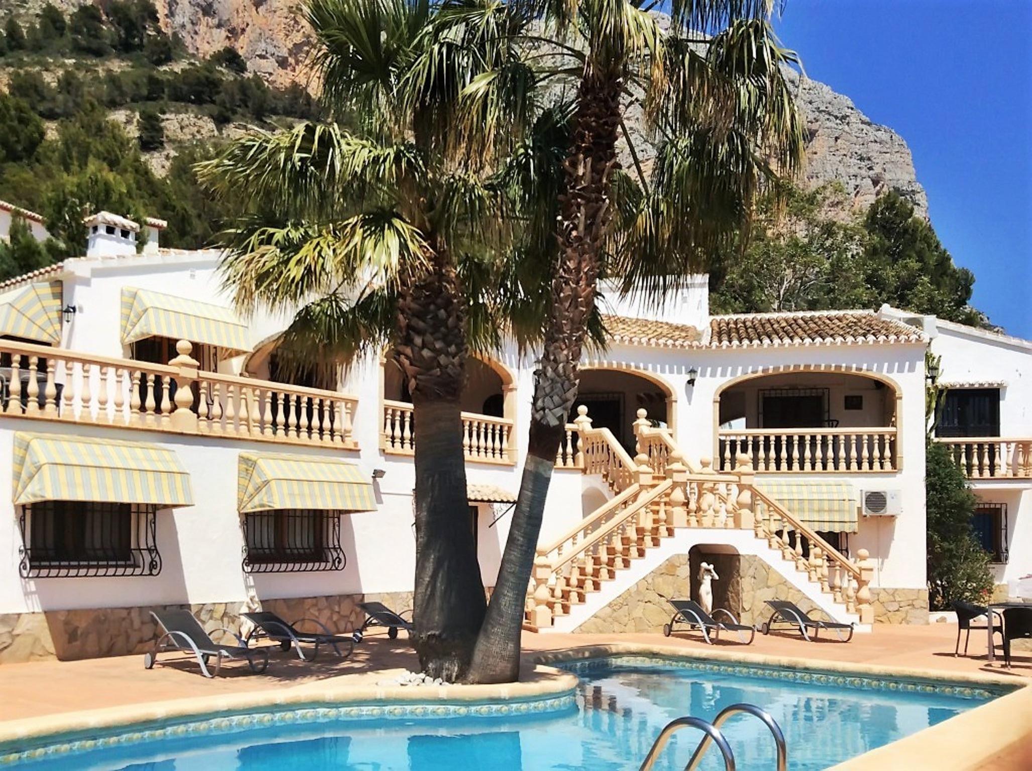 Ferienhaus Geräumige Villa mit fünf Schlafzimmer in Javea mit möblierter Terrasse, Pool und toller Au (2201168), Jávea, Costa Blanca, Valencia, Spanien, Bild 1