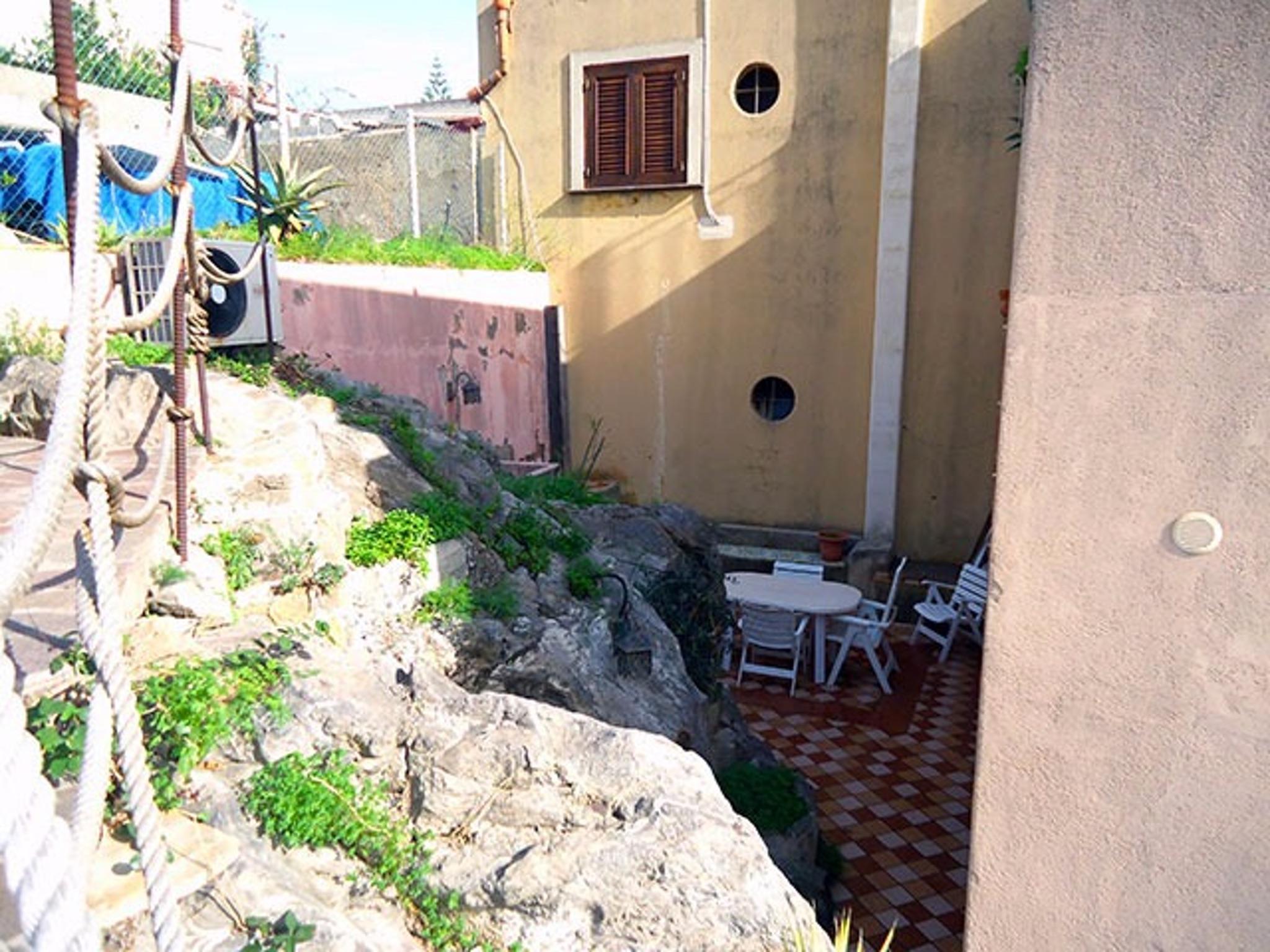 Appartement de vacances Wohnung mit 2 Schlafzimmern in Lipari mit möblierter Terrasse - 20 m vom Strand entfernt (2202323), Lipari, Lipari, Sicile, Italie, image 10