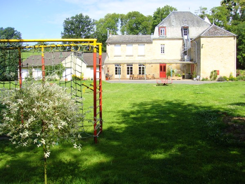 Ferienwohnung Wohnung mit 6 Schlafzimmern in Lametz mit möbliertem Garten und W-LAN (2208309), Lametz, Ardennes, Champagne-Ardennes, Frankreich, Bild 2