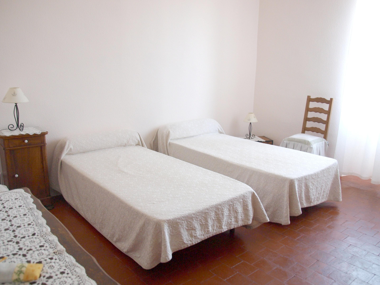 Holiday house Villa mit 4 Schlafzimmern in Caromb mit toller Aussicht auf die Berge, privatem Pool, eing (2437960), Caromb, Vaucluse, Provence - Alps - Côte d'Azur, France, picture 10