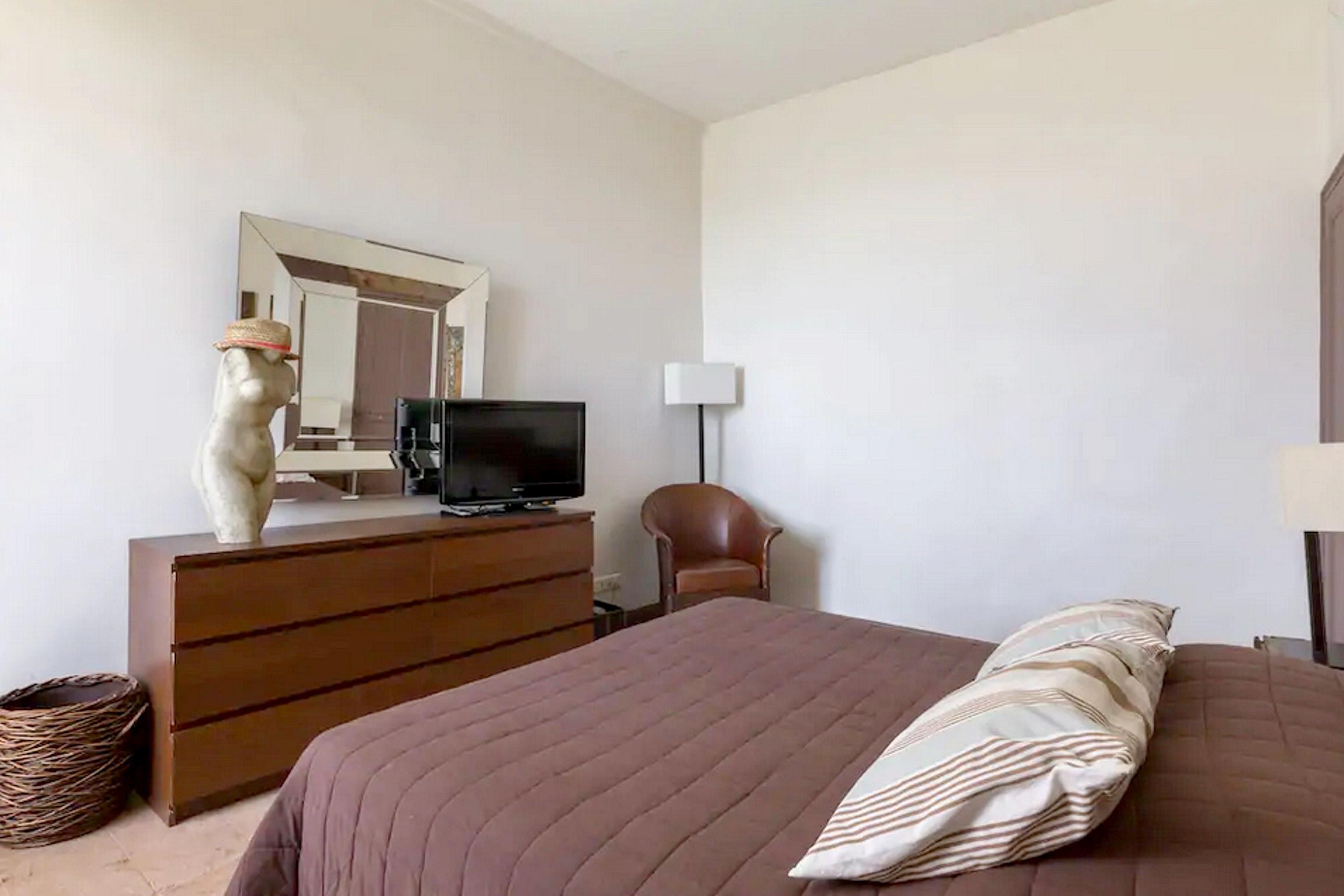 Maison de vacances Villa mit 6 Schlafzimmern in L'Isle-sur-la-Sorgue mit privatem Pool, möbliertem Garten und (2647203), L'Isle sur la Sorgue, Vaucluse, Provence - Alpes - Côte d'Azur, France, image 38