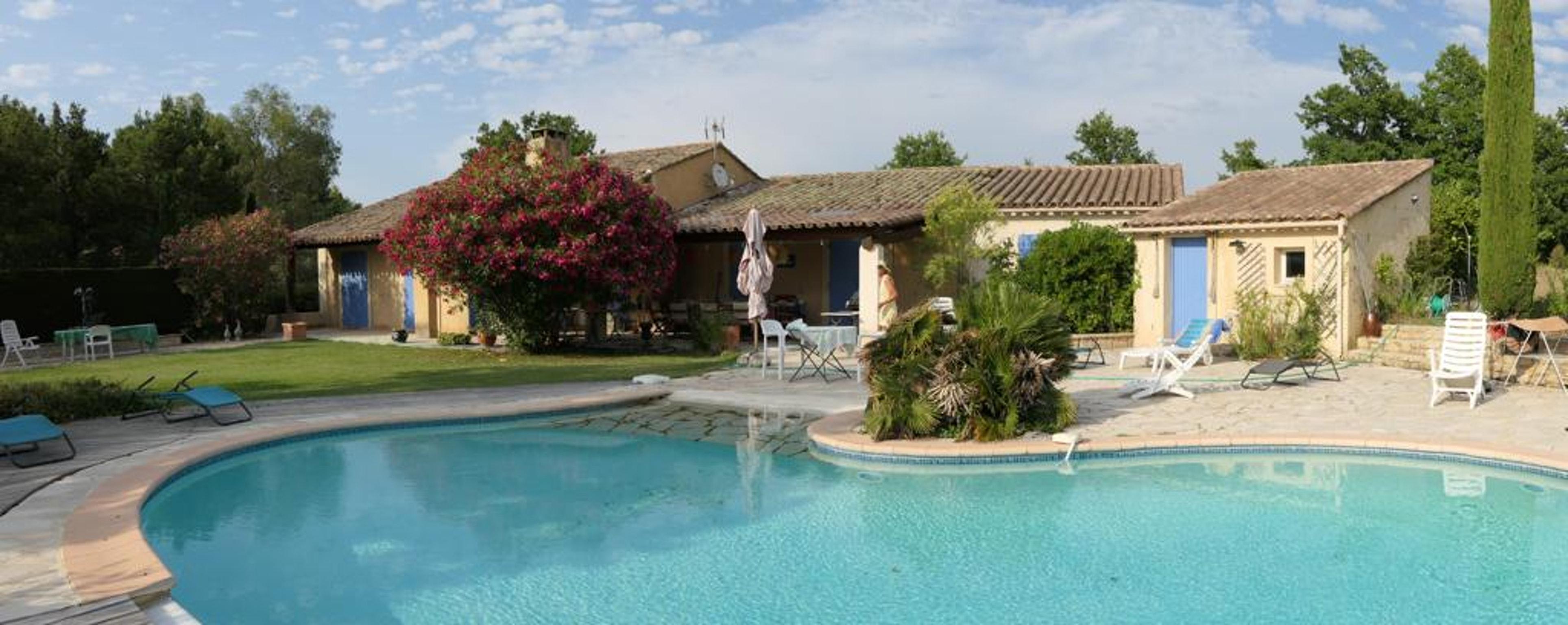 Ferienhaus Villa mit 4 Schlafzimmern in Pernes-les-Fontaines mit toller Aussicht auf die Berge, priva (2519446), Pernes les Fontaines, Saône-et-Loire, Burgund, Frankreich, Bild 49