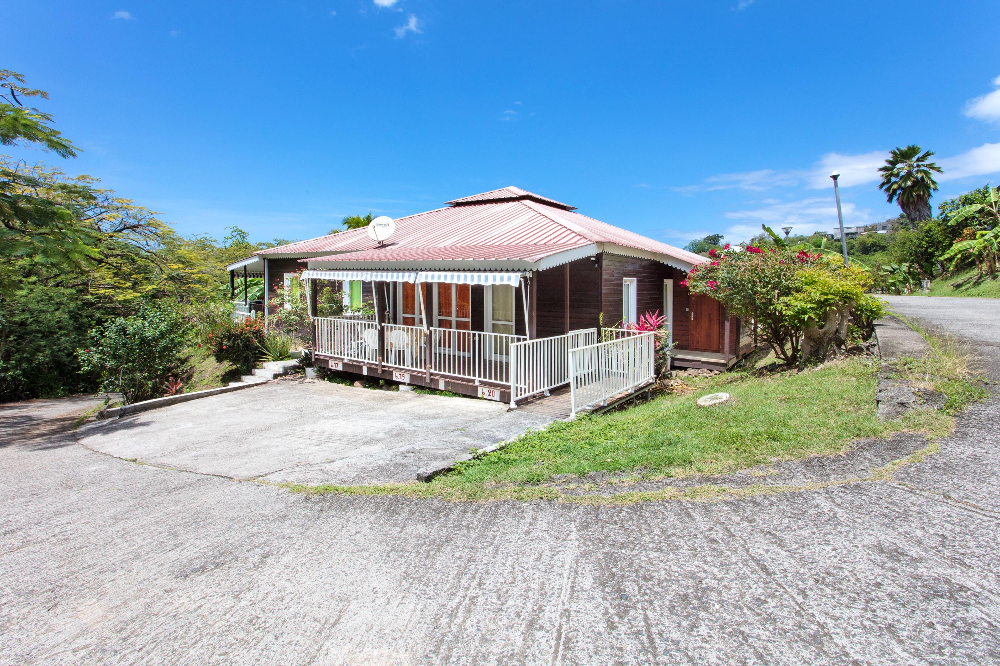 Bungalow mit 2 Schlafzimmern in Bouillante mit m&o Hütte in Guadeloupe