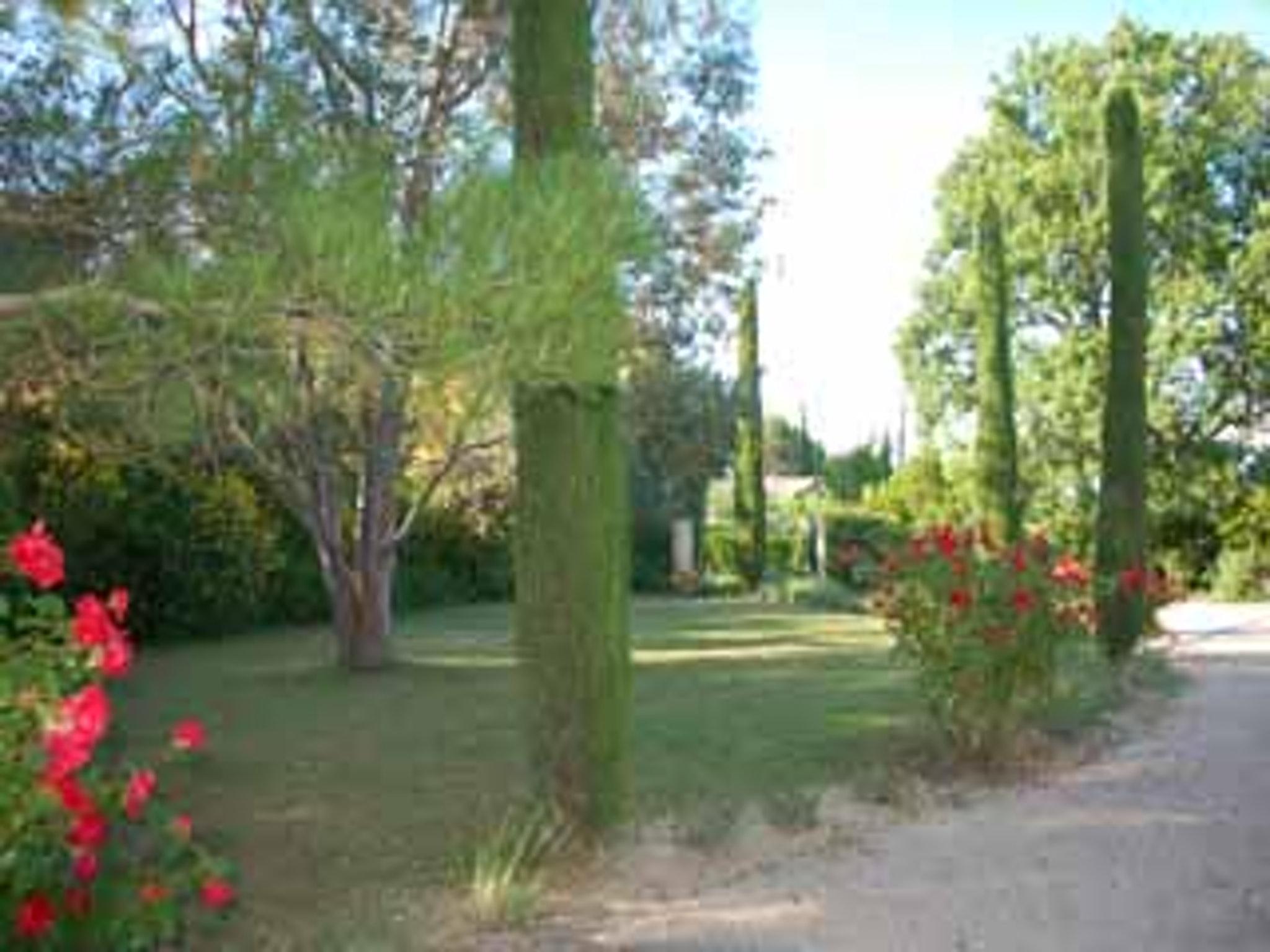 Ferienhaus Villa mit 4 Schlafzimmern in Pernes-les-Fontaines mit toller Aussicht auf die Berge, priva (2519446), Pernes les Fontaines, Saône-et-Loire, Burgund, Frankreich, Bild 18