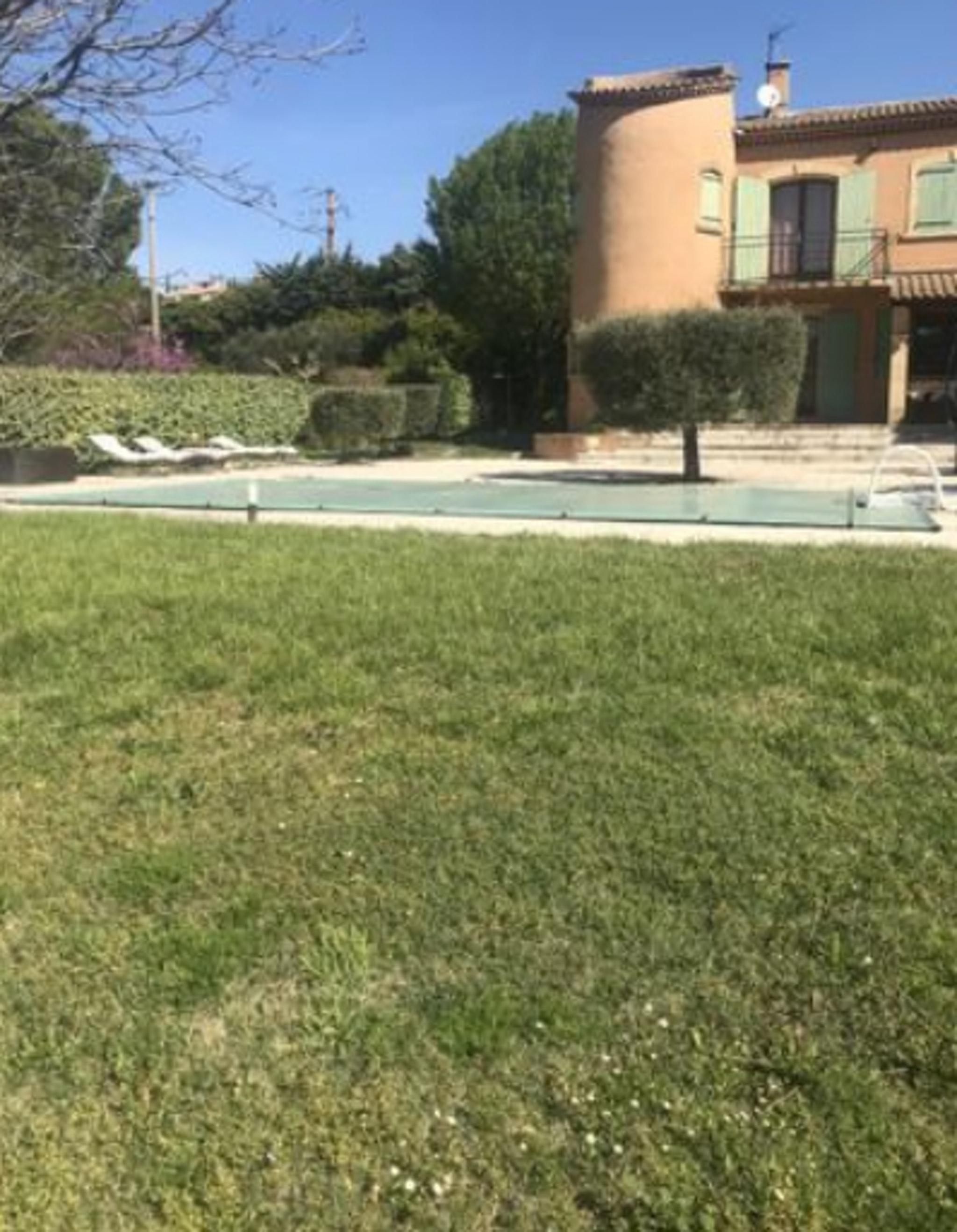 Holiday apartment Studio in Lançon-Provence mit Pool, möbliertem Garten und W-LAN (2676969), Lançon Provence, Bouches-du-Rhône, Provence - Alps - Côte d'Azur, France, picture 11