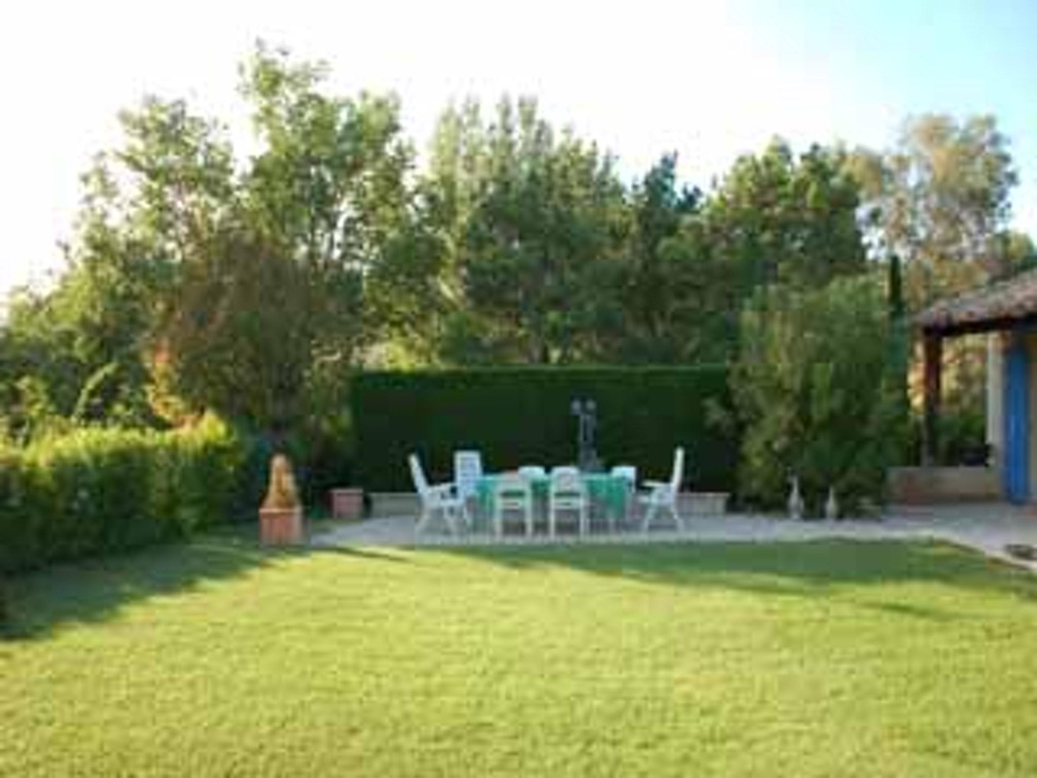 Ferienhaus Villa mit 4 Schlafzimmern in Pernes-les-Fontaines mit toller Aussicht auf die Berge, priva (2519446), Pernes les Fontaines, Saône-et-Loire, Burgund, Frankreich, Bild 22