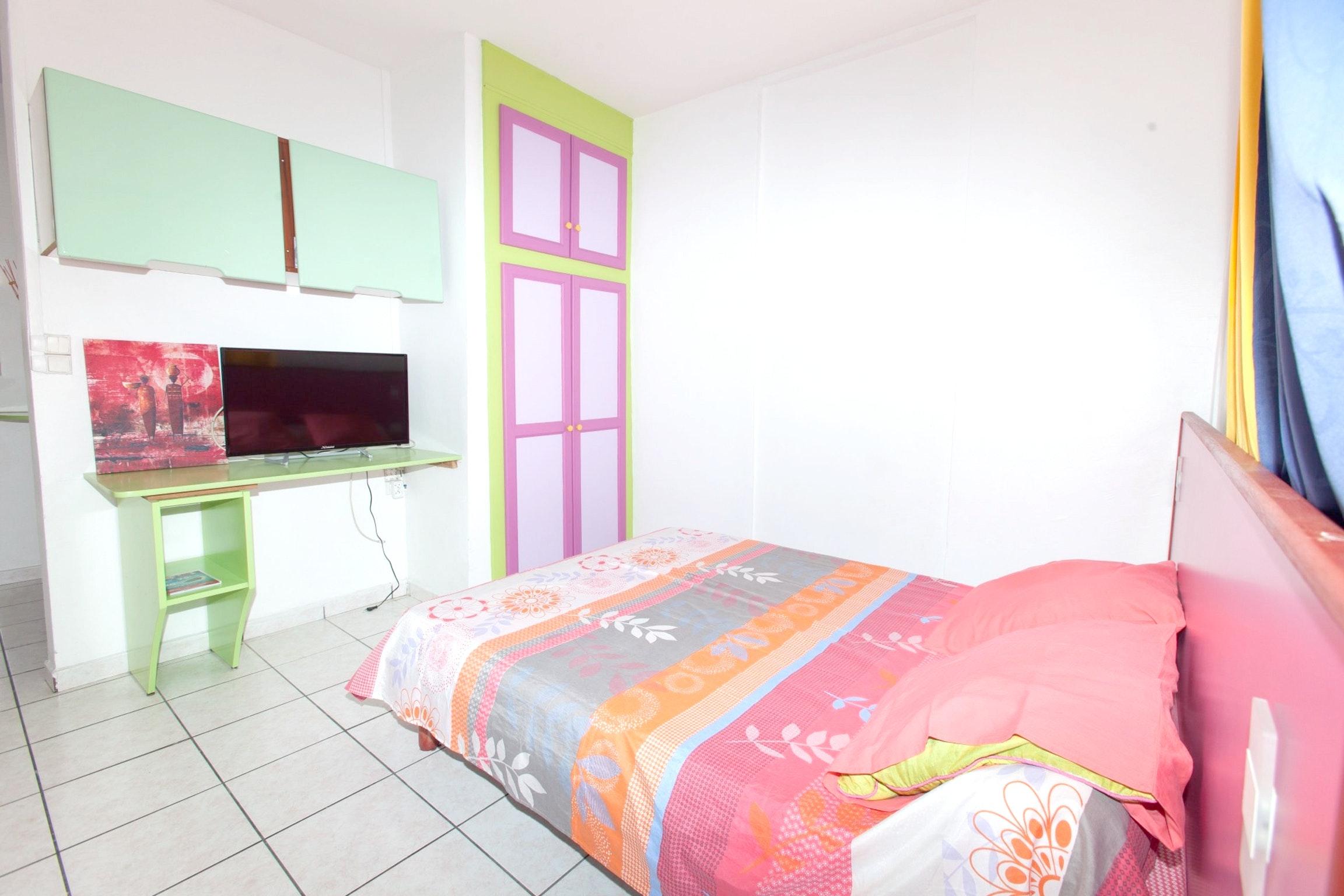 Haus mit einem Schlafzimmer in Le Gosier mit m&oum Ferienhaus in Mittelamerika und Karibik
